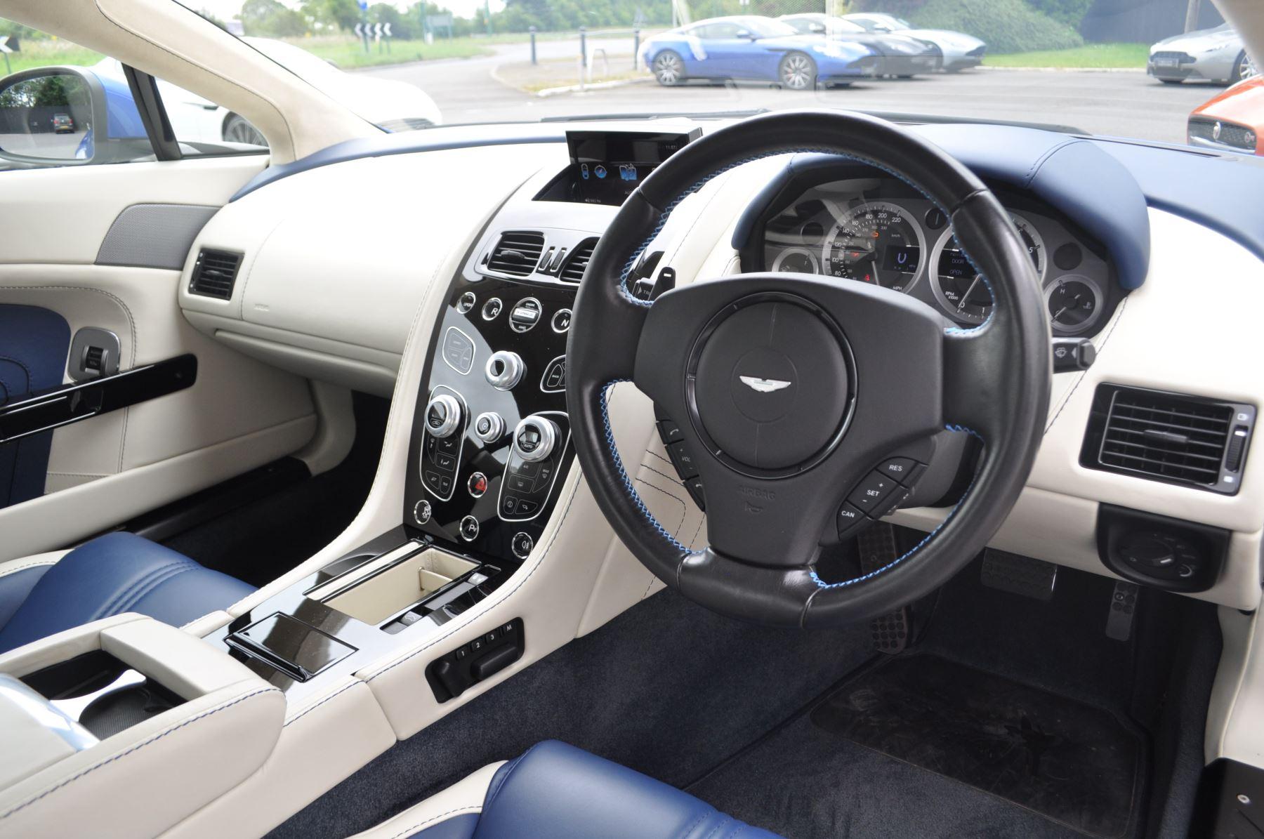 Aston Martin V8 Vantage S Coupe S 2dr Sportshift image 22