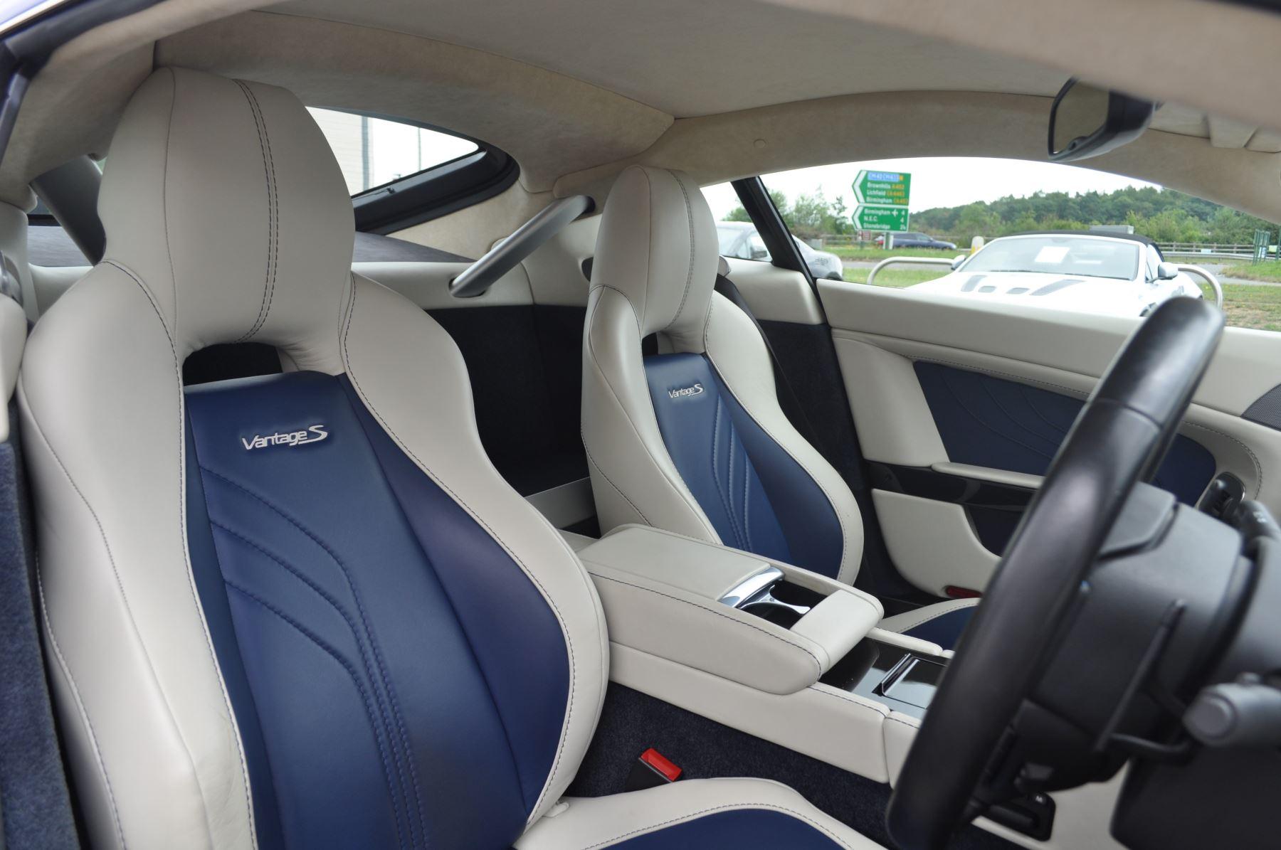 Aston Martin V8 Vantage S Coupe S 2dr Sportshift image 23