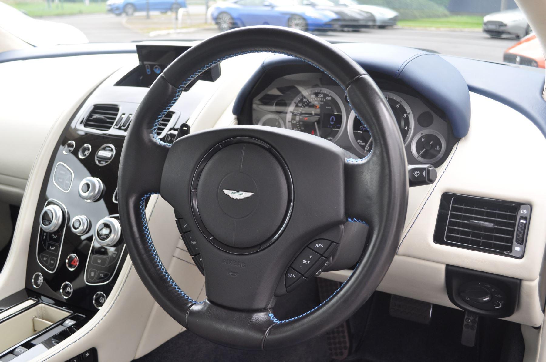 Aston Martin V8 Vantage S Coupe S 2dr Sportshift image 24