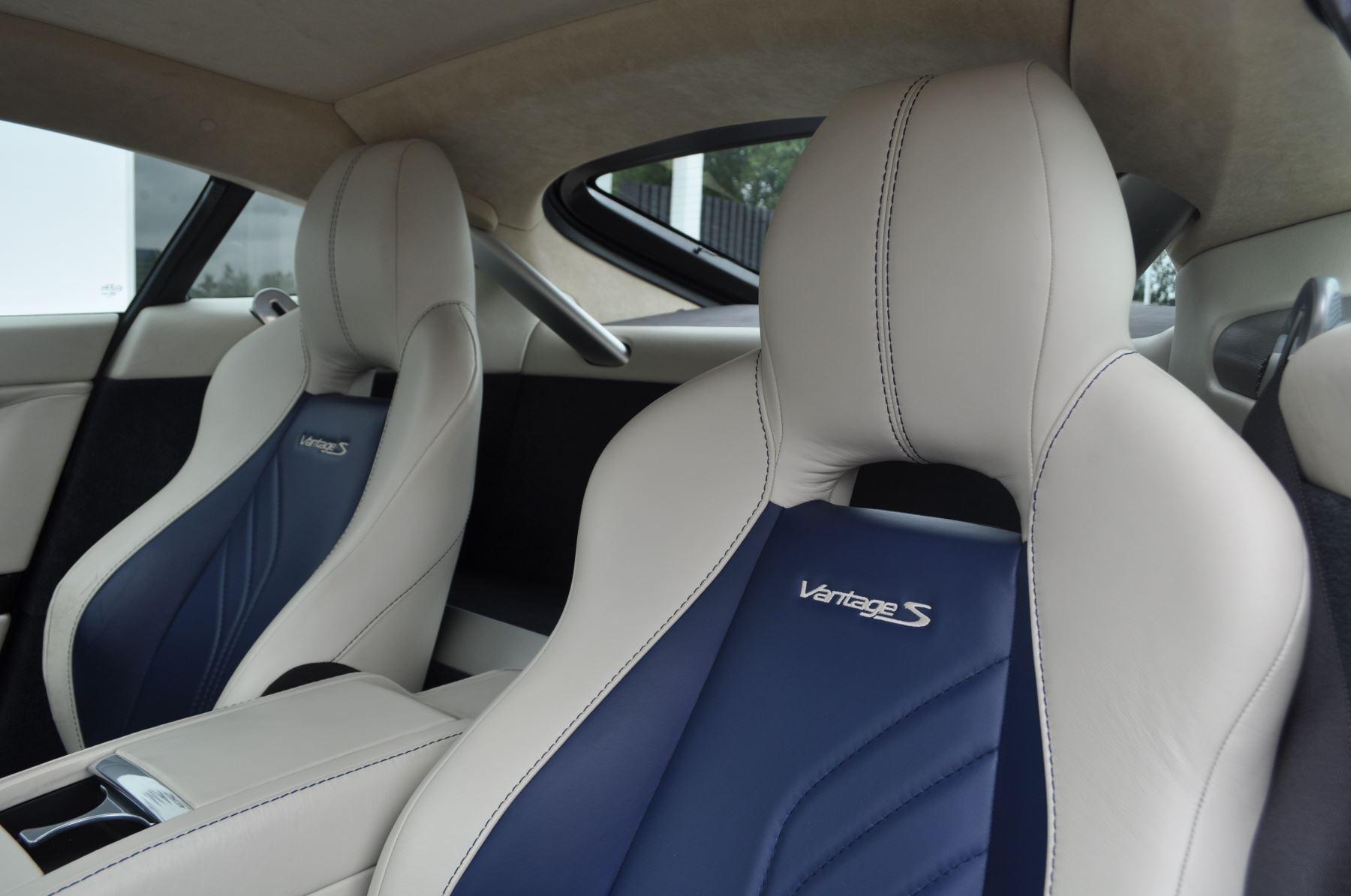 Aston Martin V8 Vantage S Coupe S 2dr Sportshift image 37