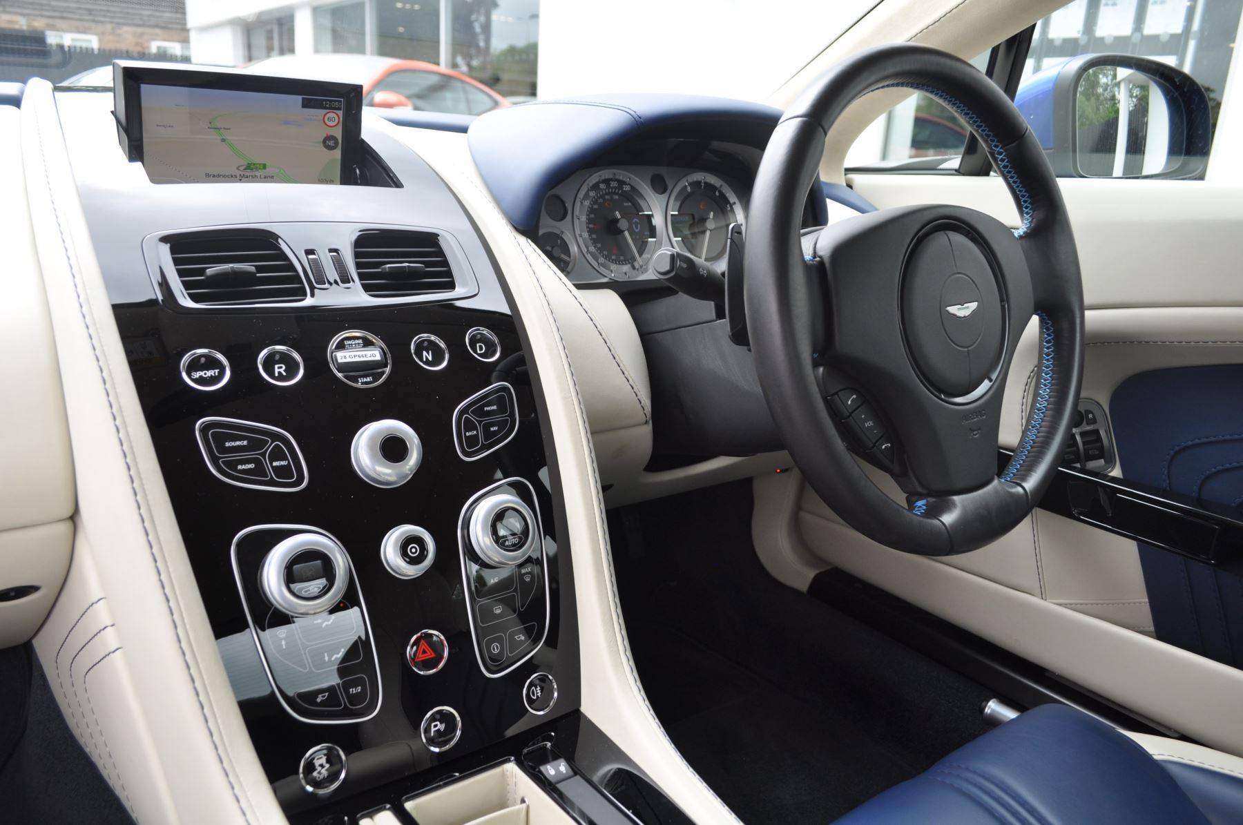 Aston Martin V8 Vantage S Coupe S 2dr Sportshift image 41