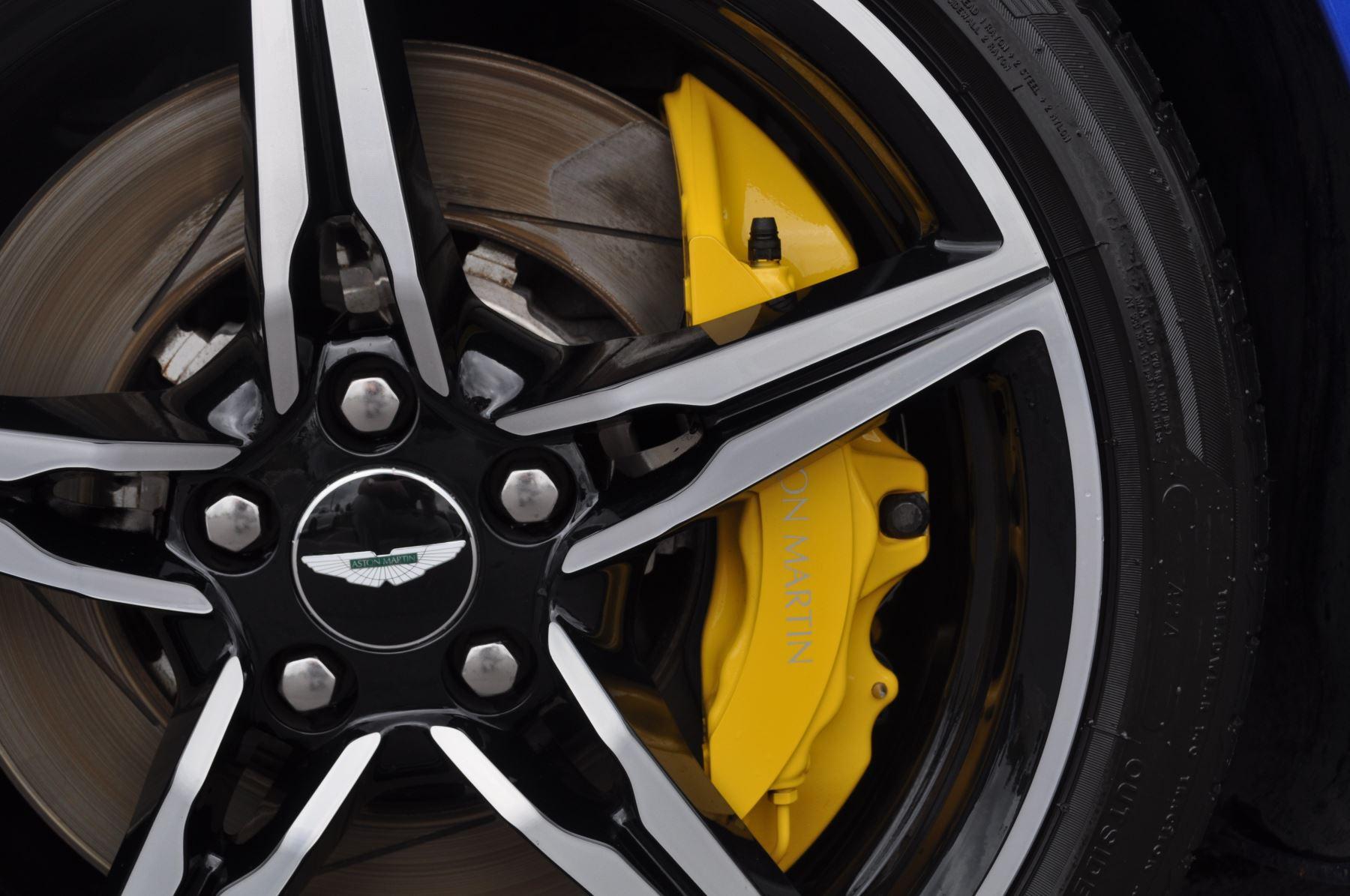 Aston Martin V8 Vantage S Coupe S 2dr Sportshift image 45