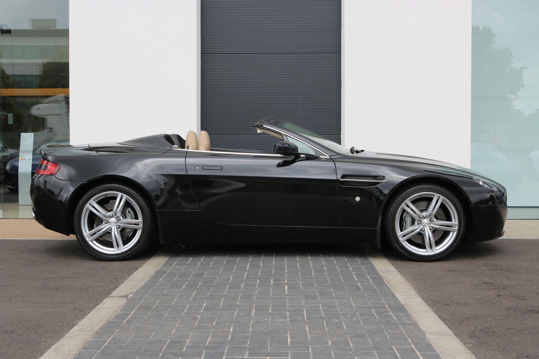 Aston Martin V8 Vantage Roadster 2dr Sportshift [420] image 2