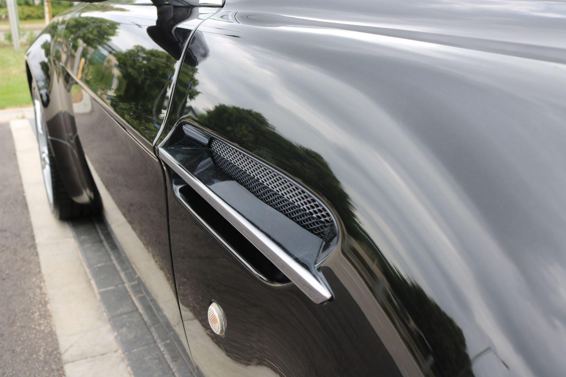 Aston Martin V8 Vantage Roadster 2dr Sportshift [420] image 14