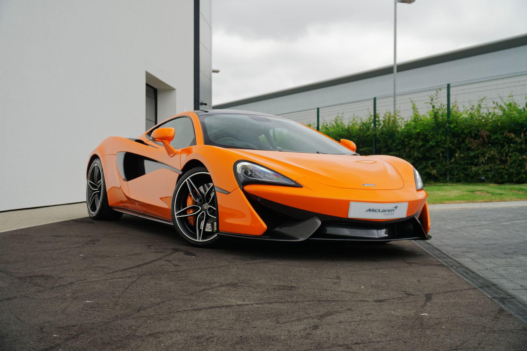 McLaren 570GT V8 2dr SSG Auto Coupe 3.8 Semi-Automatic (2017) image