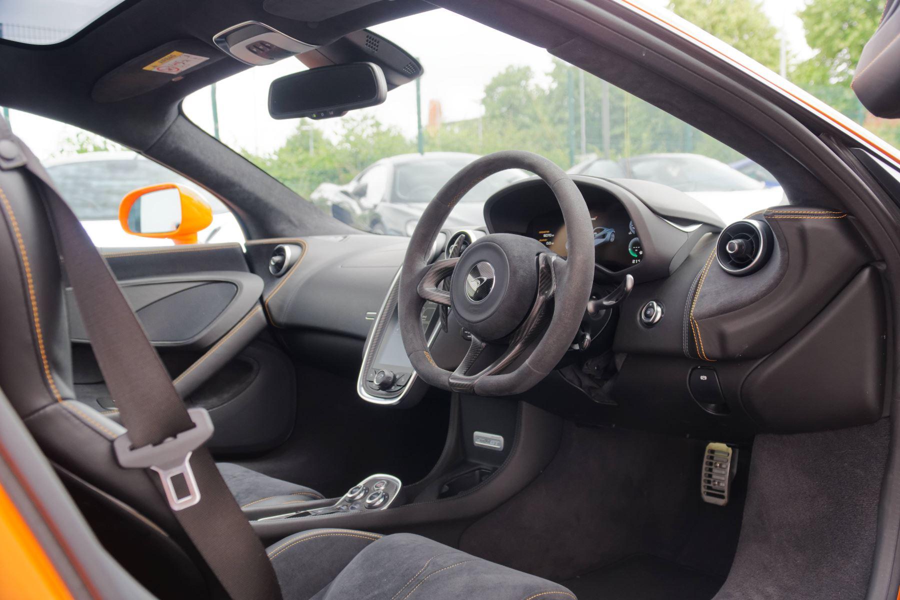 McLaren 570GT V8 2dr SSG Auto Coupe image 23