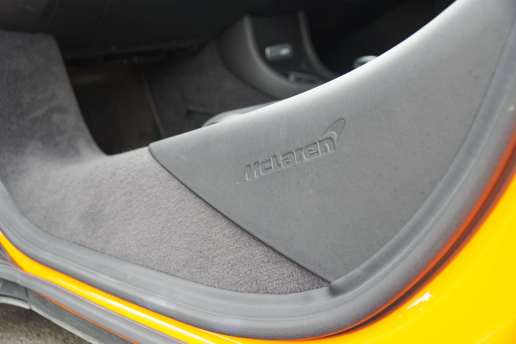 McLaren 570GT V8 2dr SSG Auto Coupe image 46