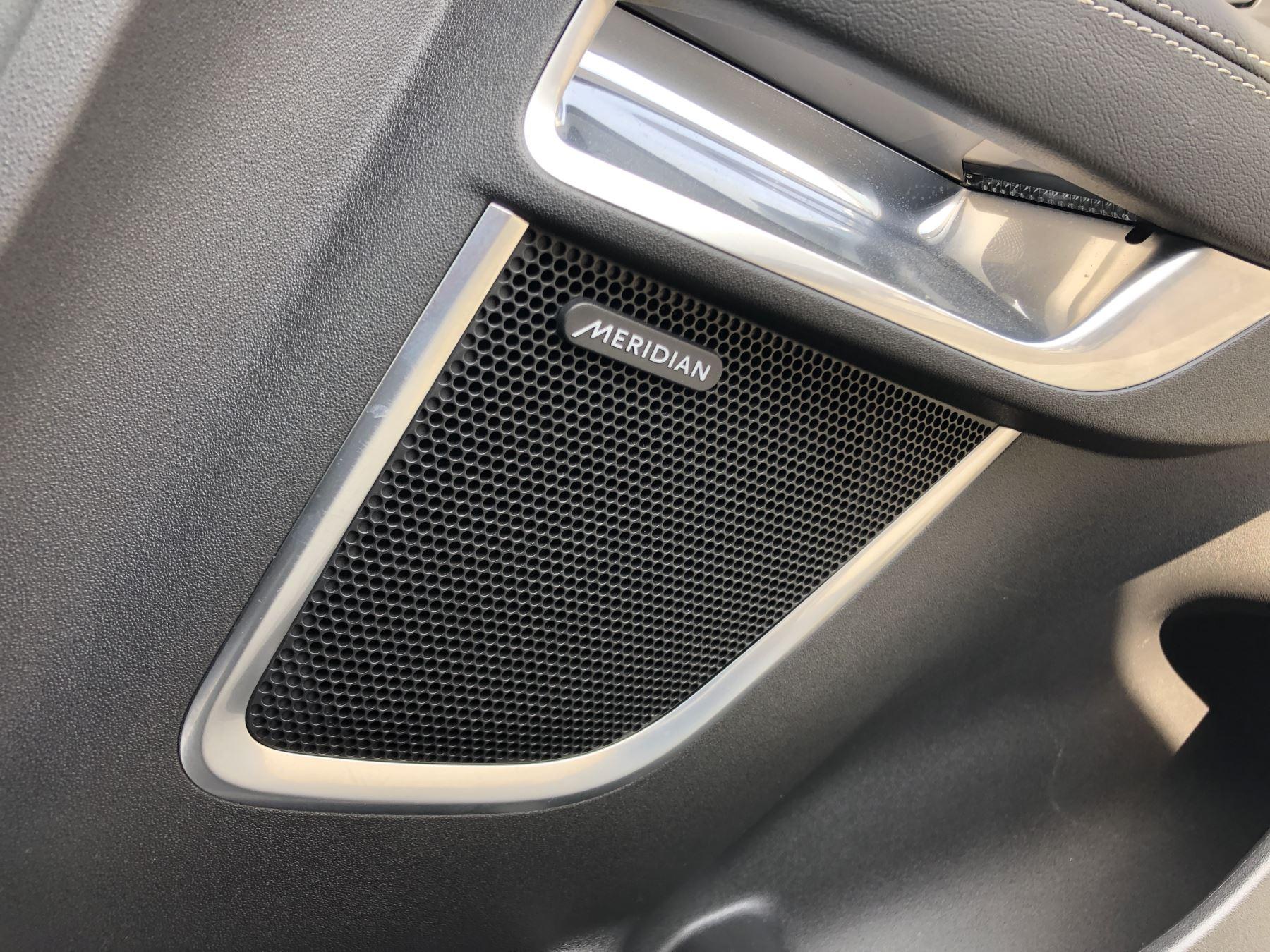 Jaguar E-PACE 2.0 R-Dynamic SE 5dr image 11