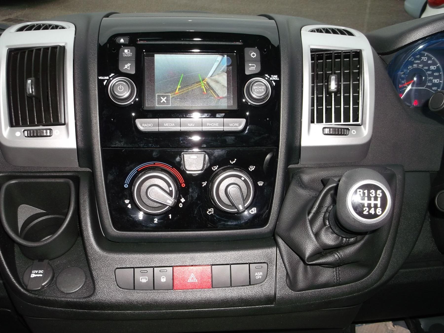 Fiat Ducato MWB HR 2.3 160 SPORTIVO ALLOYS CLR CODED LED  AIRCON NAV CRUISE REV SENSORS CAMERA image 10