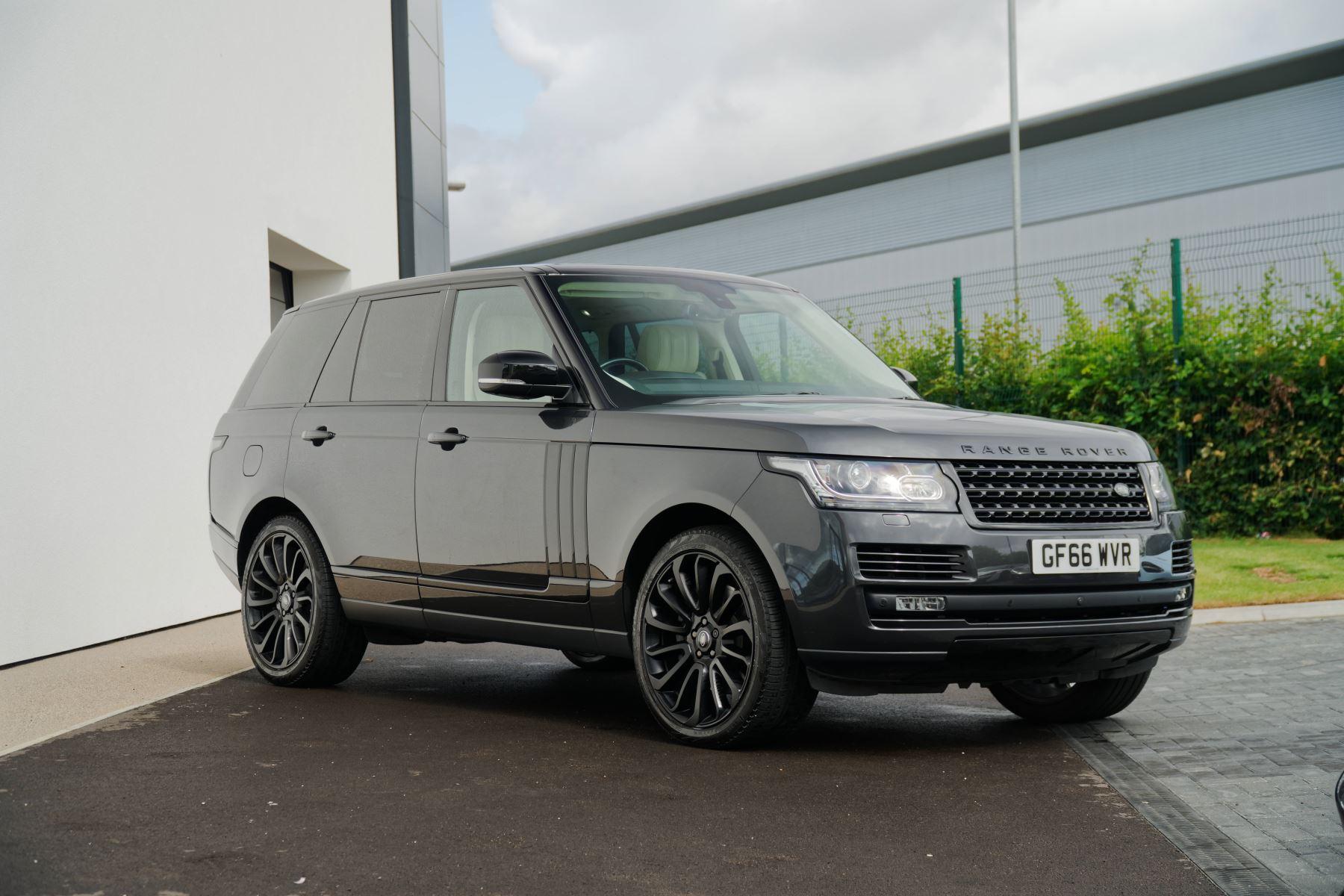 Land Rover Range Rover  SDV8 Autobiography Diesel Semi-Automatic 4 door 4x4 (22/10/2016)