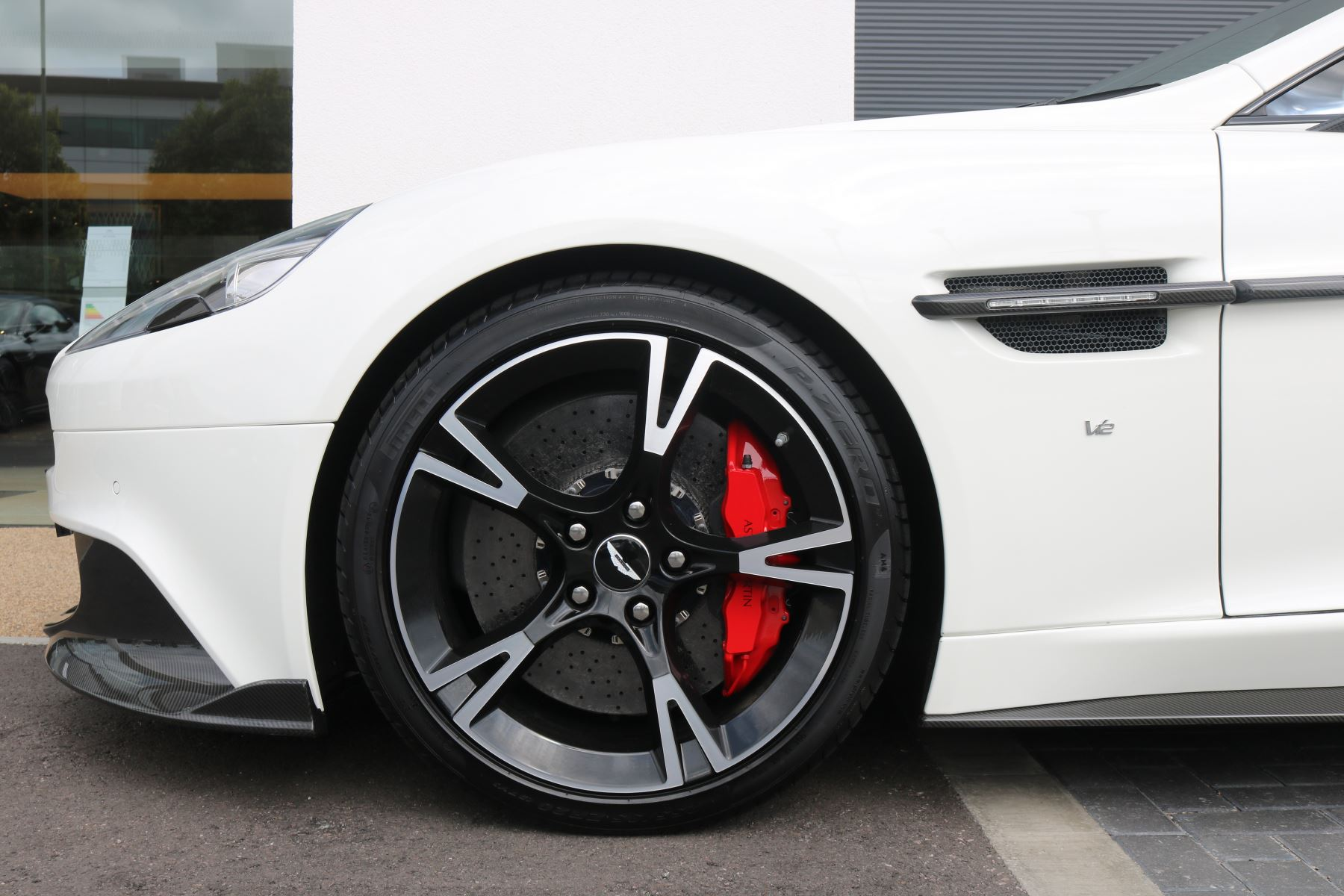 Aston Martin Vanquish V12 [595] S 2+2 2dr Touchtronic image 5