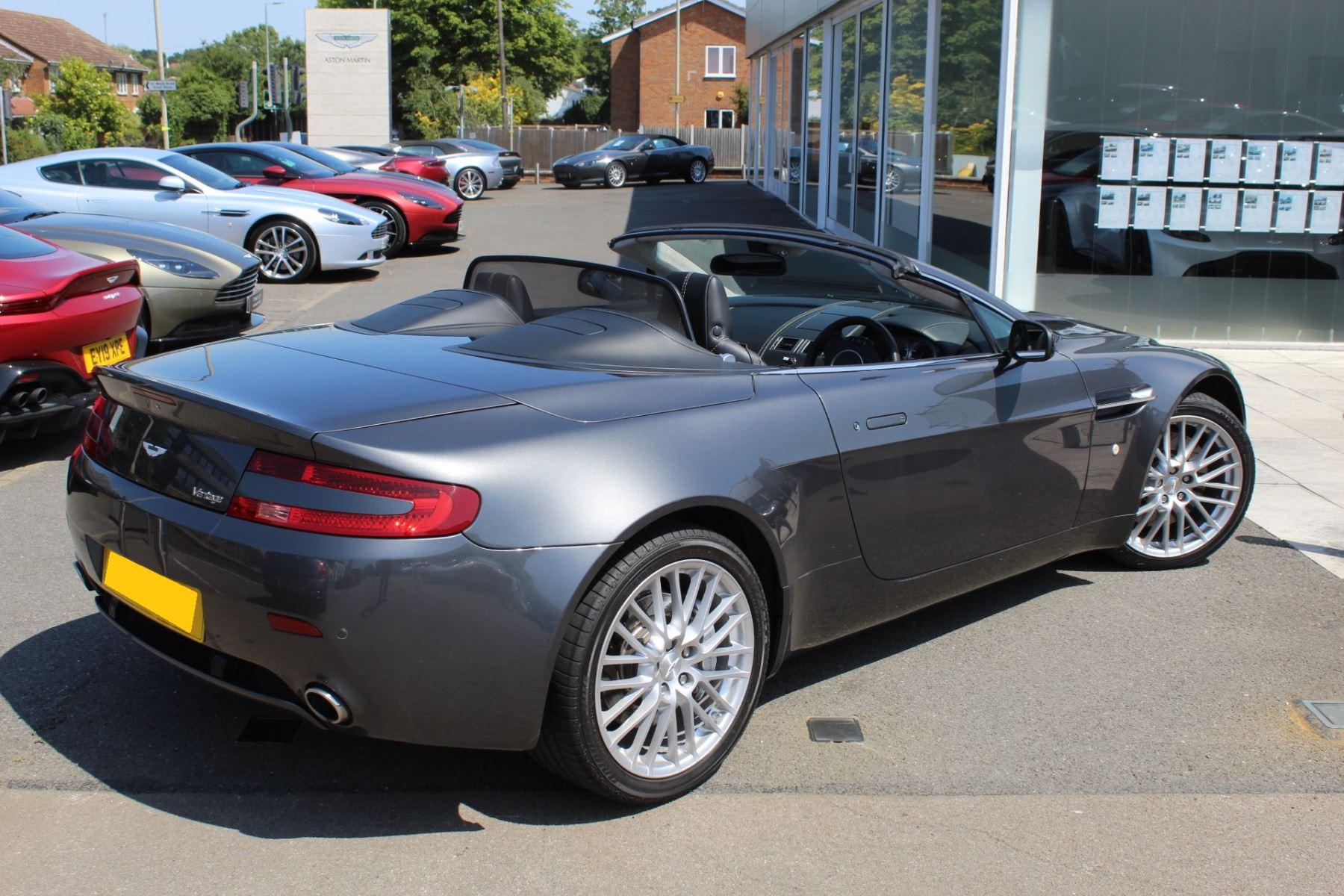 Aston Martin V8 Vantage Roadster 2dr [420] image 17