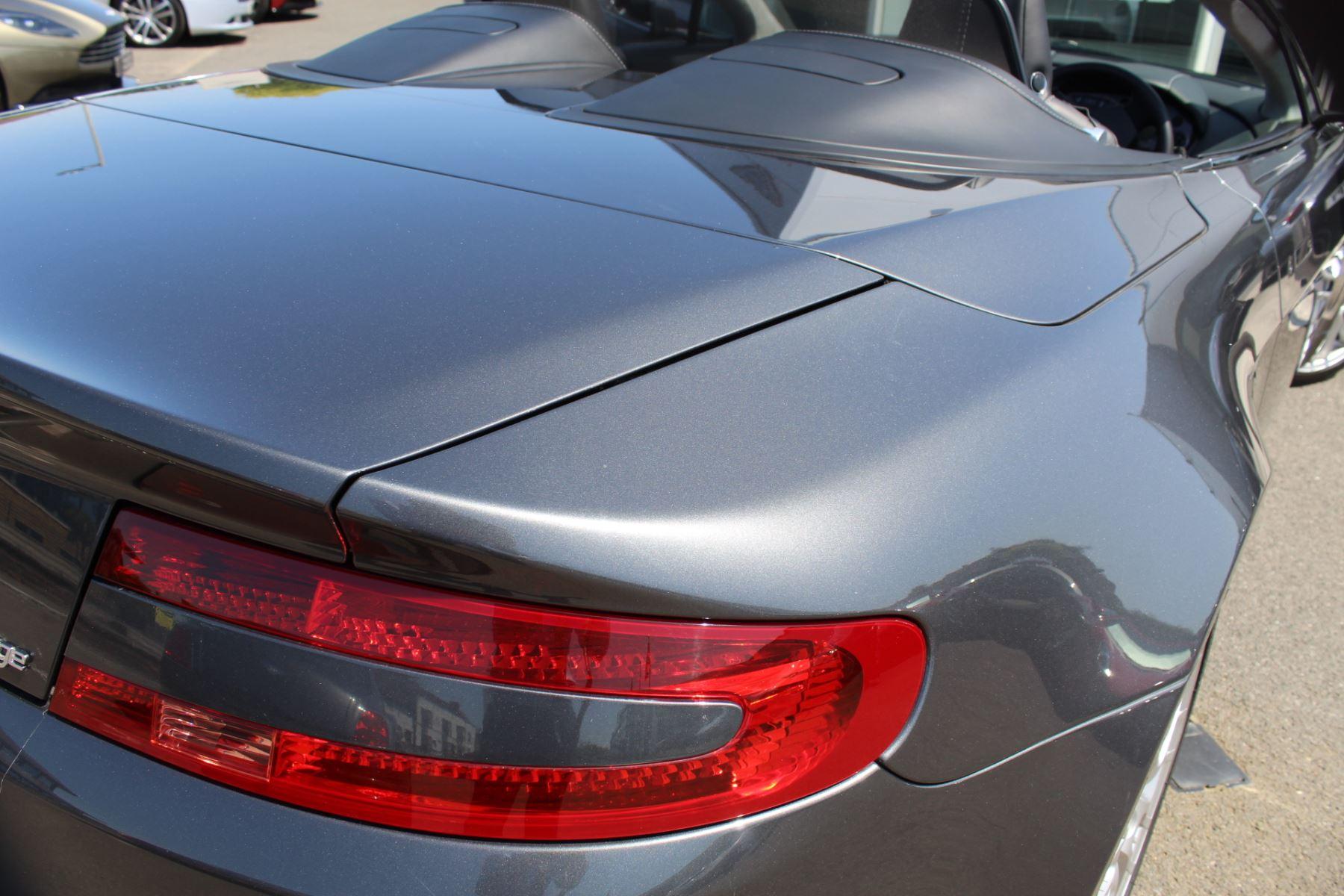 Aston Martin V8 Vantage Roadster 2dr [420] image 24