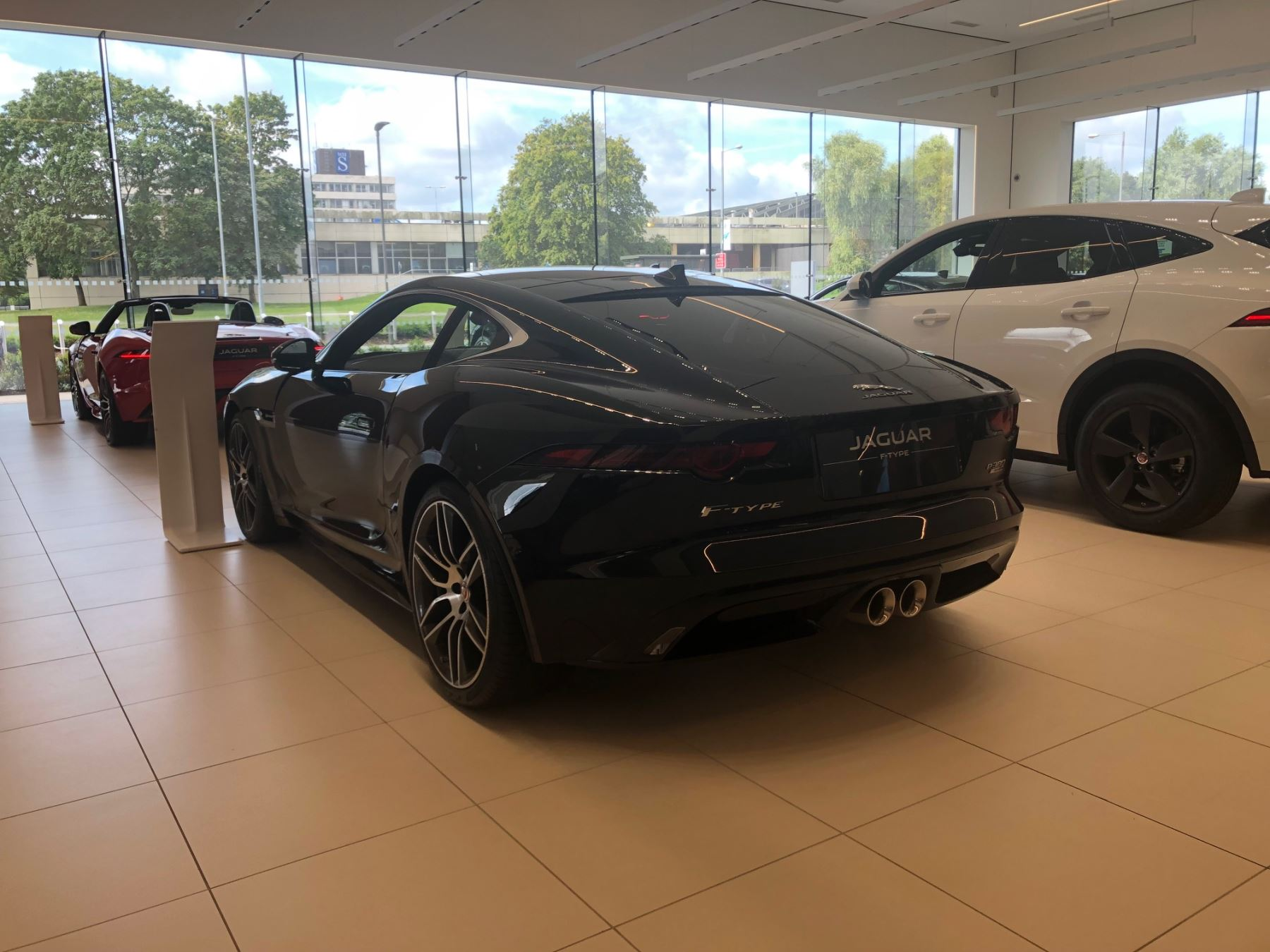 Jaguar F-TYPE 3.0 [380] Supercharged V6 R-Dynamic AWD image 3