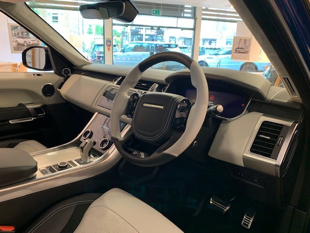 Land Rover Range Rover Sport 5.0 V8 S/C 575 SVR - Sliding Panoramic Roof - Privacy Glass - Head Up Display -  image 8