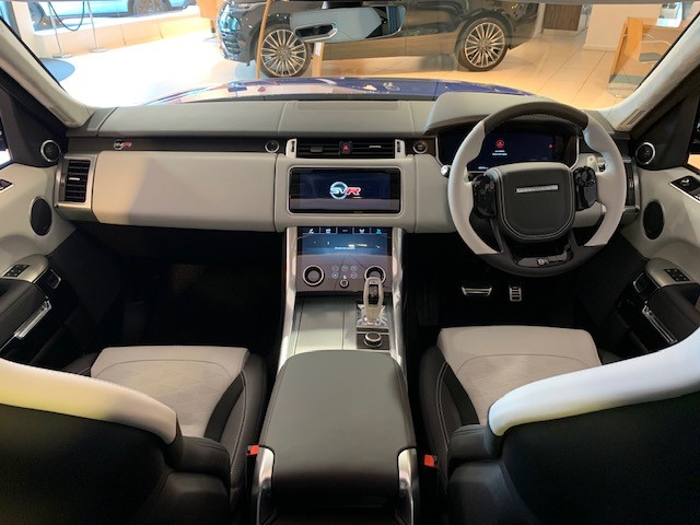 Land Rover Range Rover Sport 5.0 V8 S/C 575 SVR - Sliding Panoramic Roof - Privacy Glass - Head Up Display -  image 13