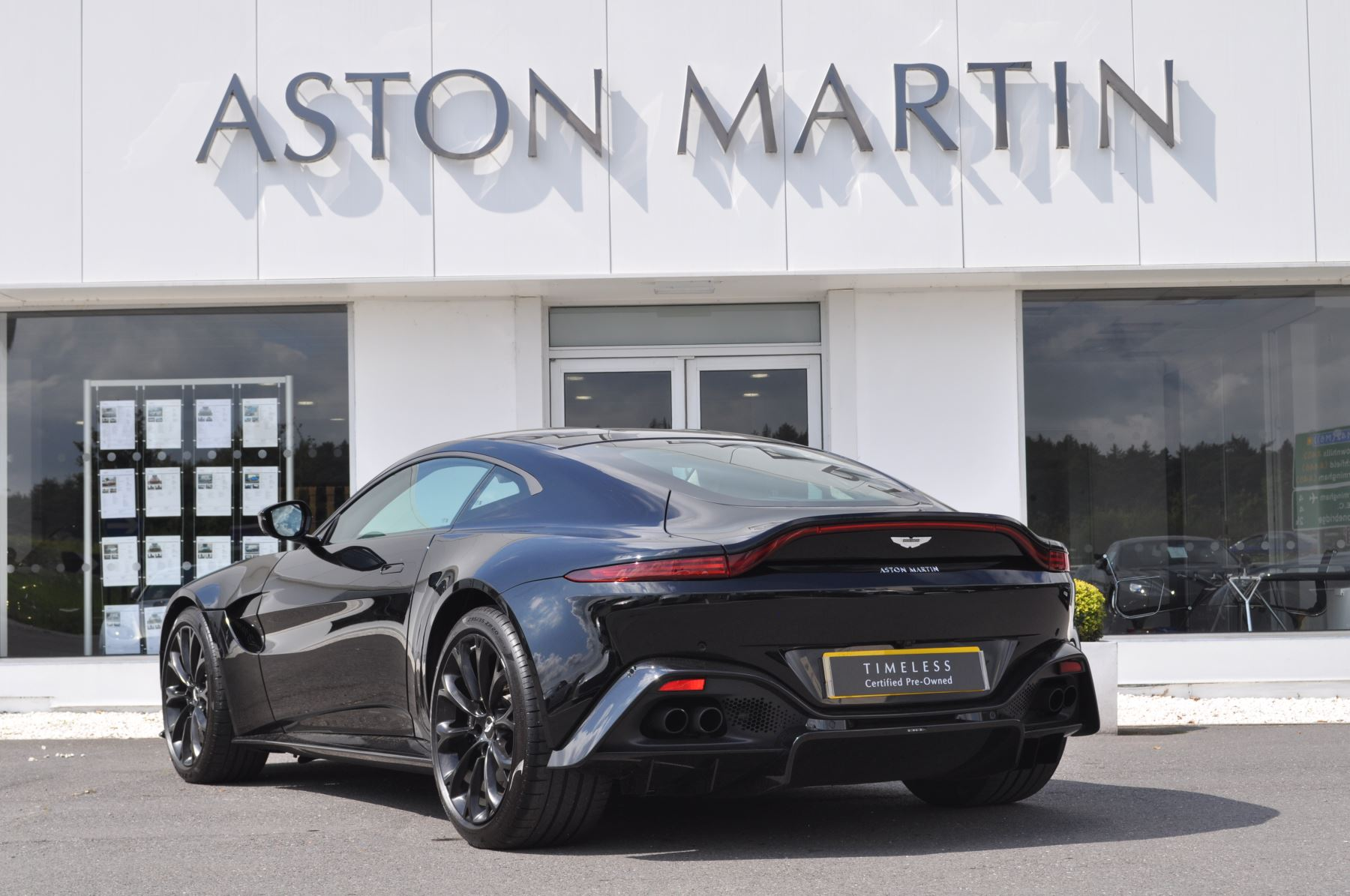 Aston Martin New Vantage 2dr ZF 8 Speed image 7