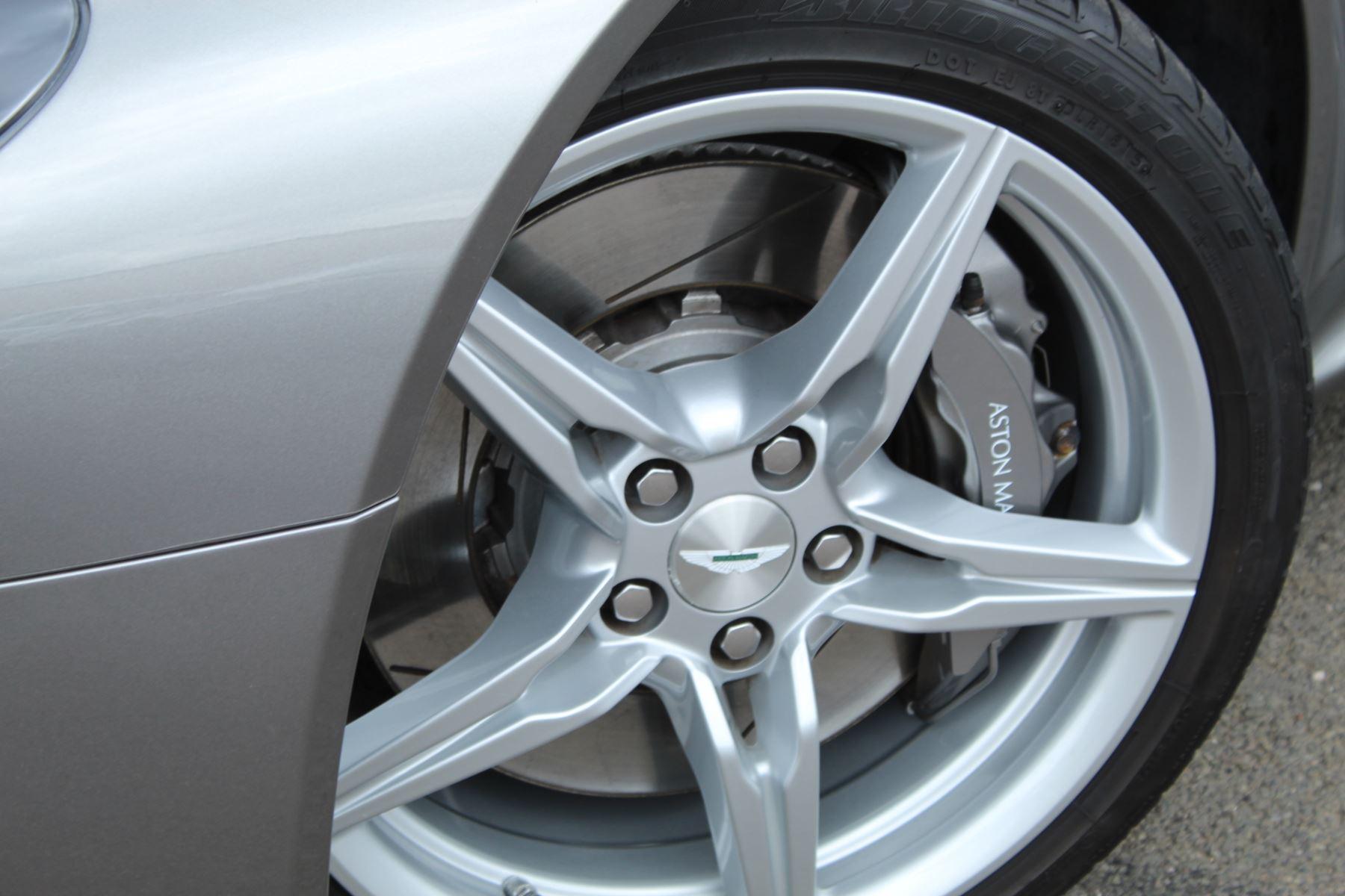 Aston Martin V8 Vantage Coupe 2dr Sportshift [420] image 20