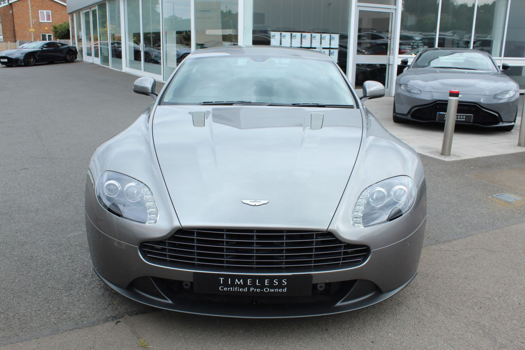 Aston Martin V8 Vantage Coupe 2dr Sportshift [420] image 9