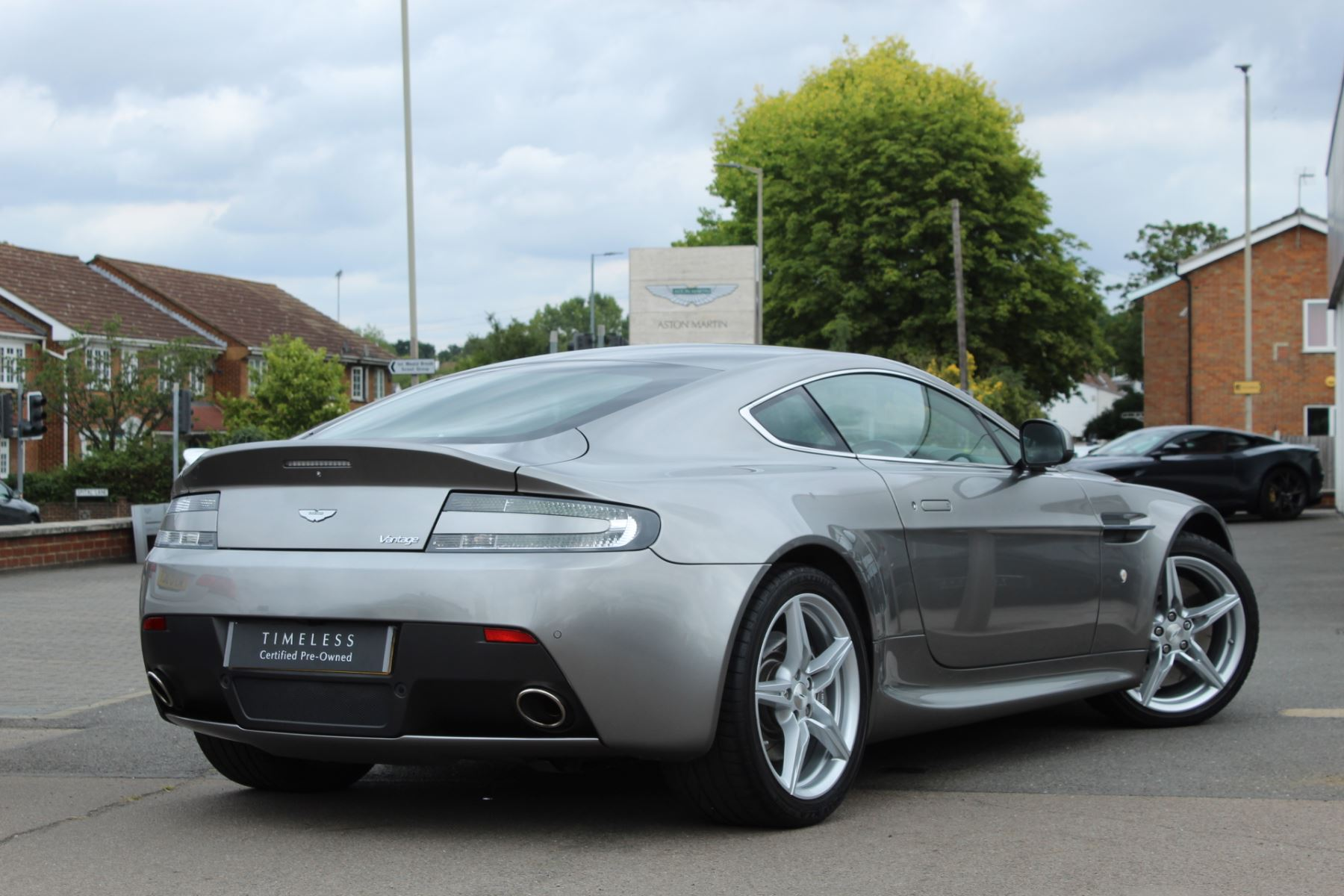 Aston Martin V8 Vantage Coupe 2dr Sportshift [420] image 10