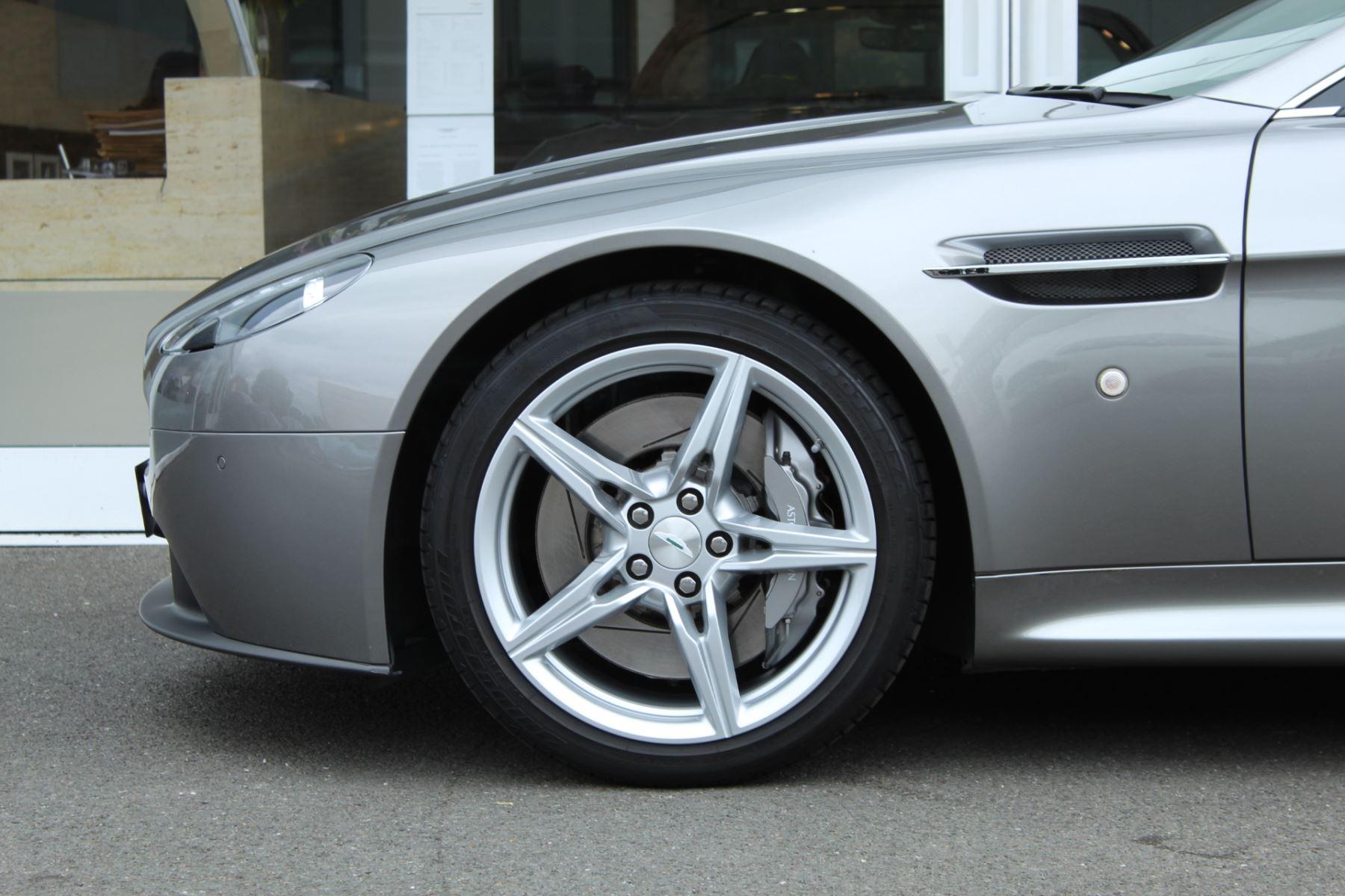 Aston Martin V8 Vantage Coupe 2dr Sportshift [420] image 16