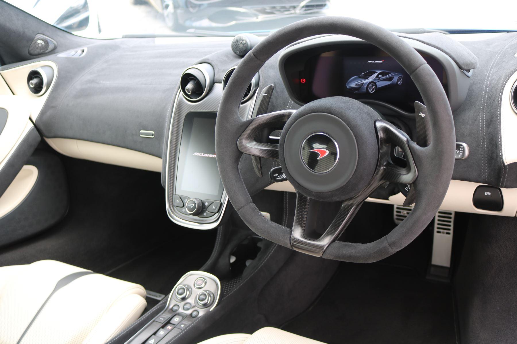 McLaren 570S Coupe V8 2dr SSG Auto Coupe image 15