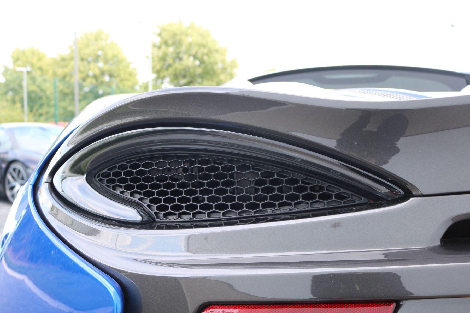 McLaren 570S Coupe V8 2dr SSG Auto Coupe image 35