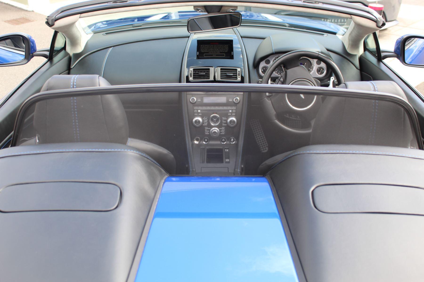 Aston Martin V8 Vantage Roadster 2dr Sportshift [420] image 25