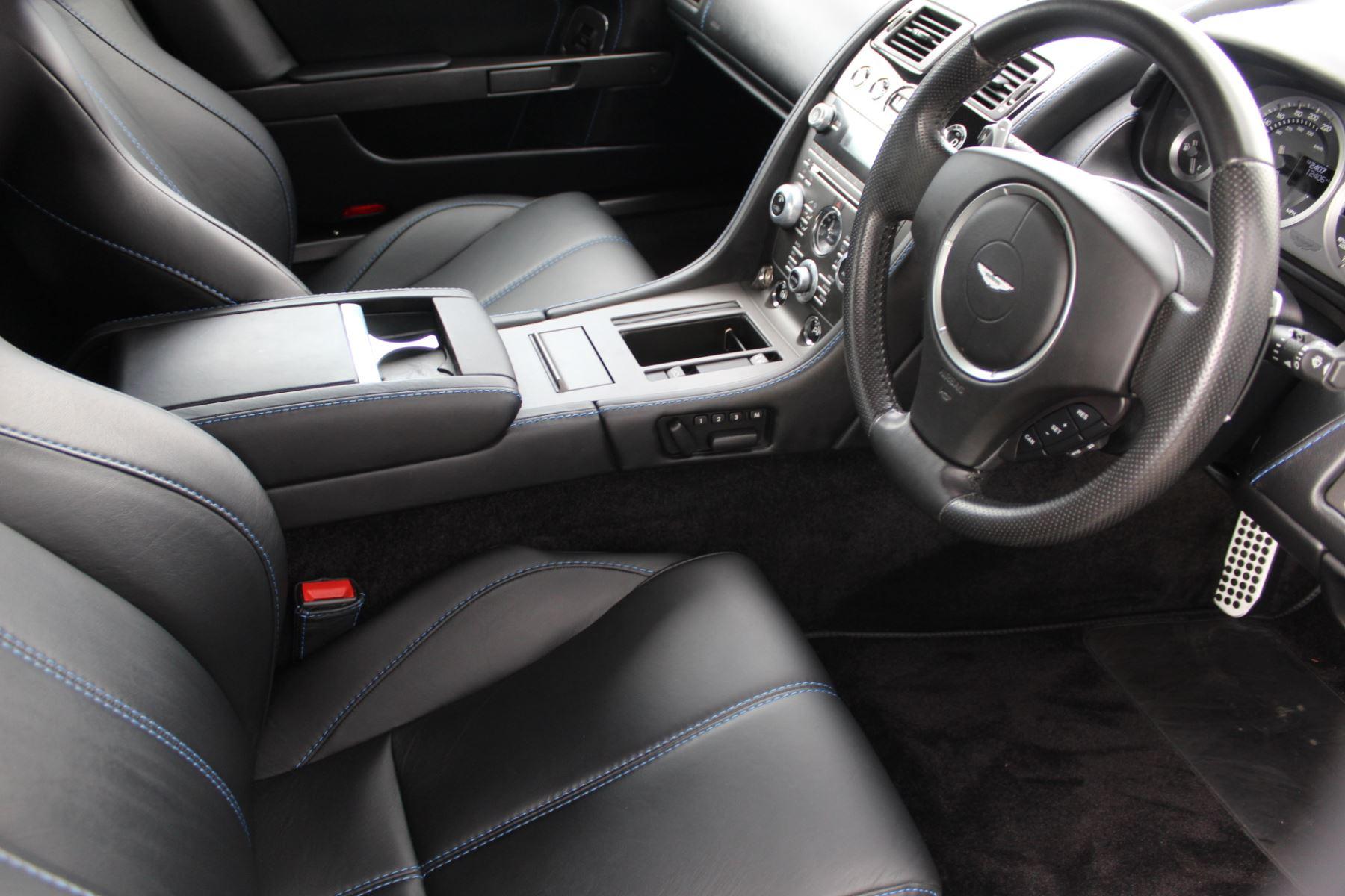 Aston Martin V8 Vantage Roadster 2dr Sportshift [420] image 12