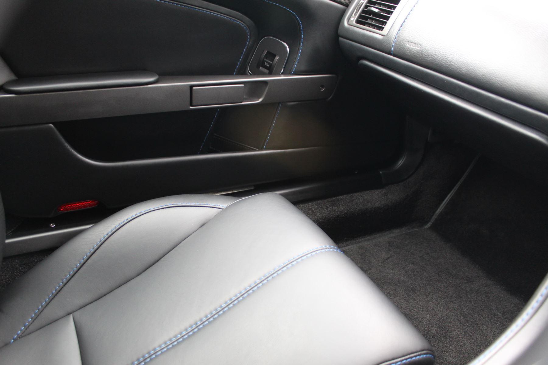 Aston Martin V8 Vantage Roadster 2dr Sportshift [420] image 18