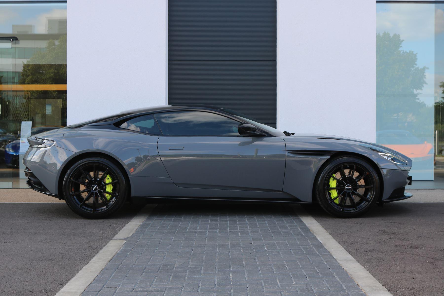 Aston Martin DB11 V12 AMR 2dr Touchtronic image 4