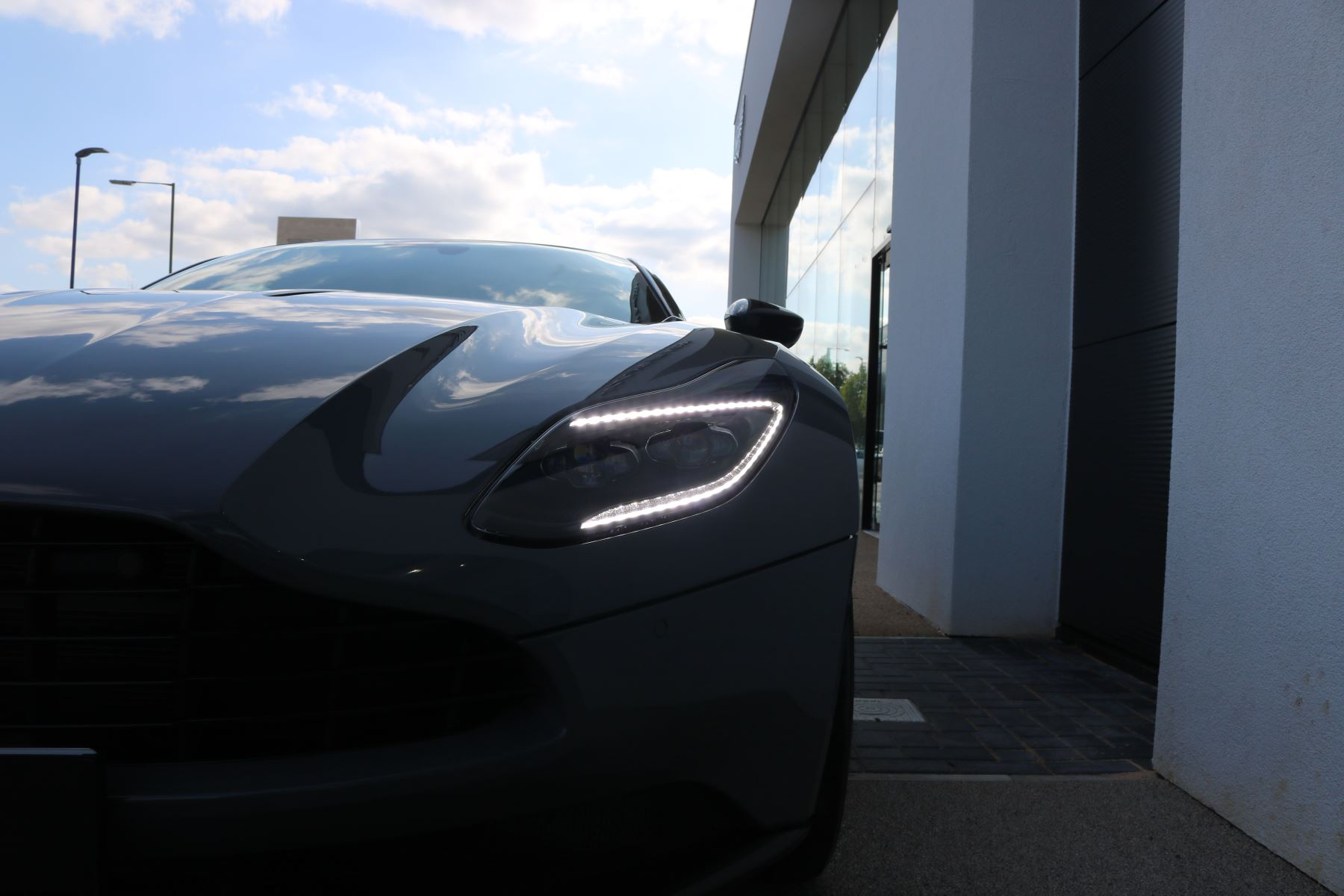 Aston Martin DB11 V12 AMR 2dr Touchtronic image 9
