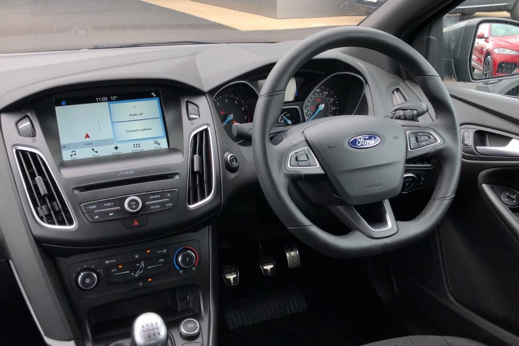 Ford Focus 1.0 EcoBoost 125 ST-Line 5dr image 9