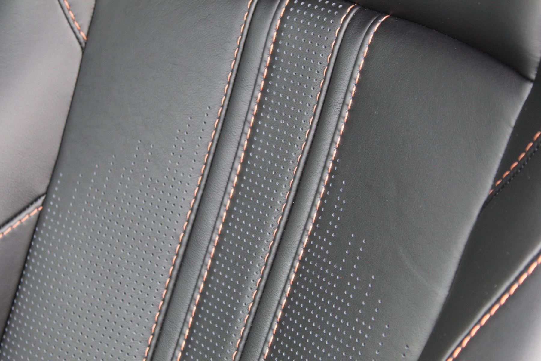 Aston Martin New Vantage 2dr ZF 8 Speed image 15