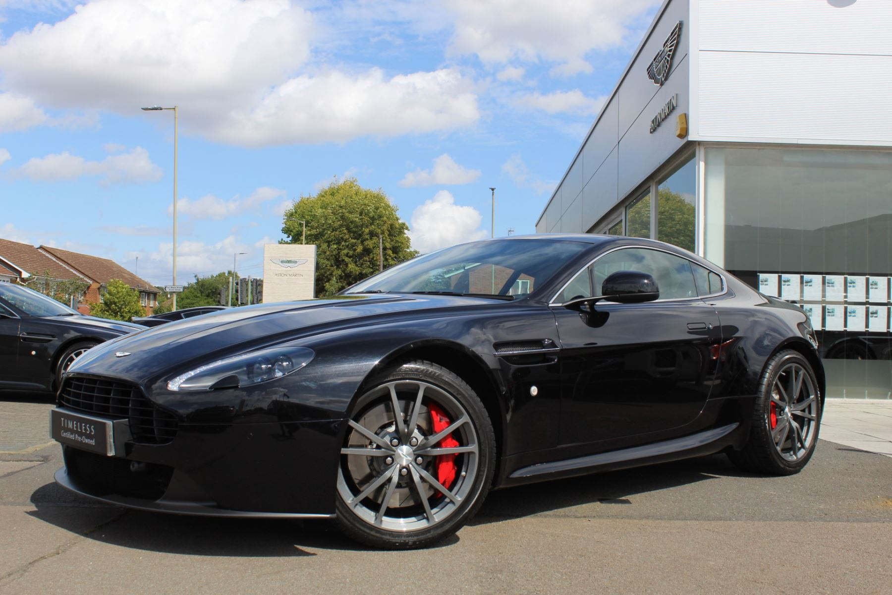 Aston Martin V8 Vantage Coupe 2dr [420] 4.7 3 door Coupe (2015)
