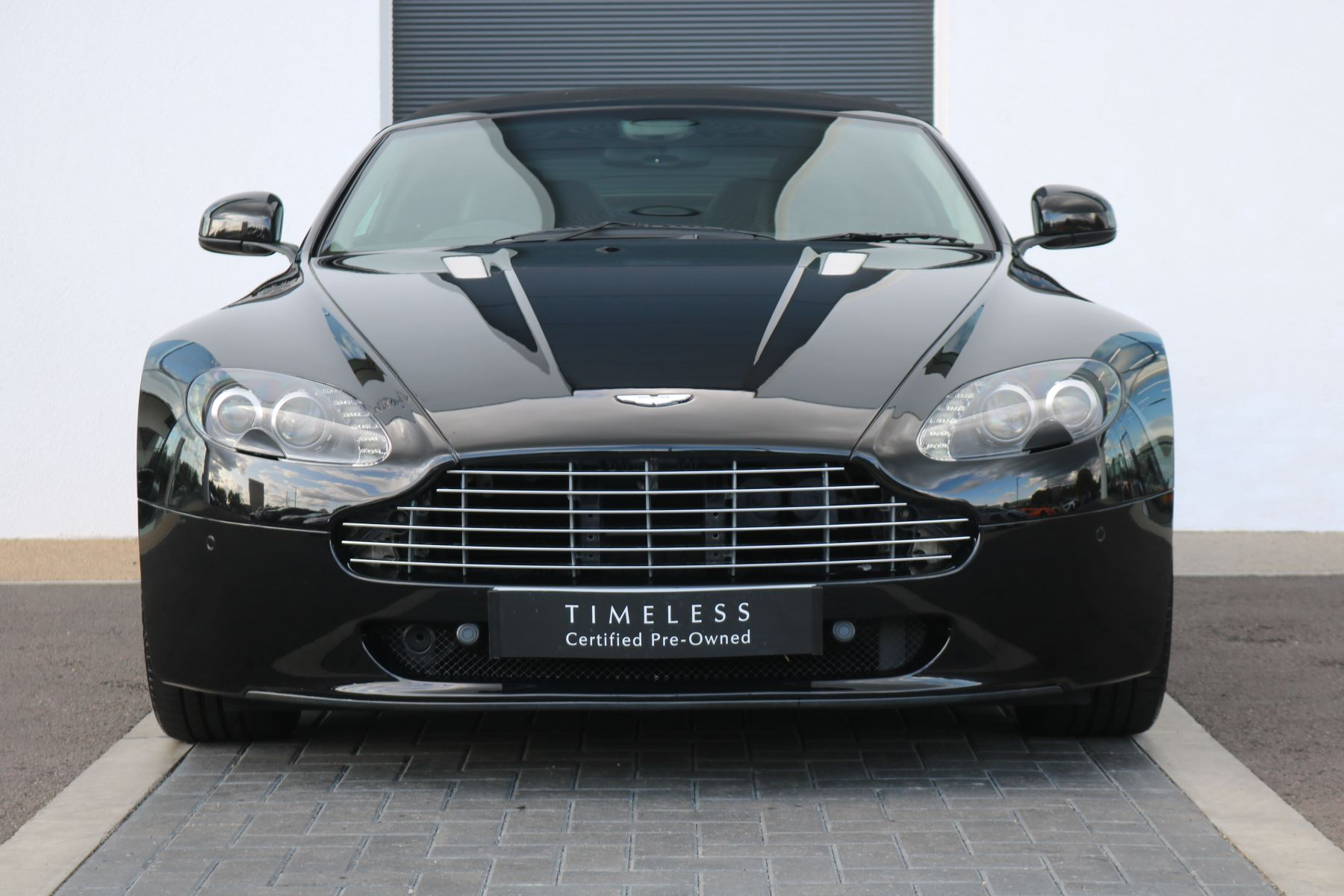 Aston Martin V8 Vantage Roadster 2dr Sportshift [420] 4.7 Automatic 3 door Roadster (2010)