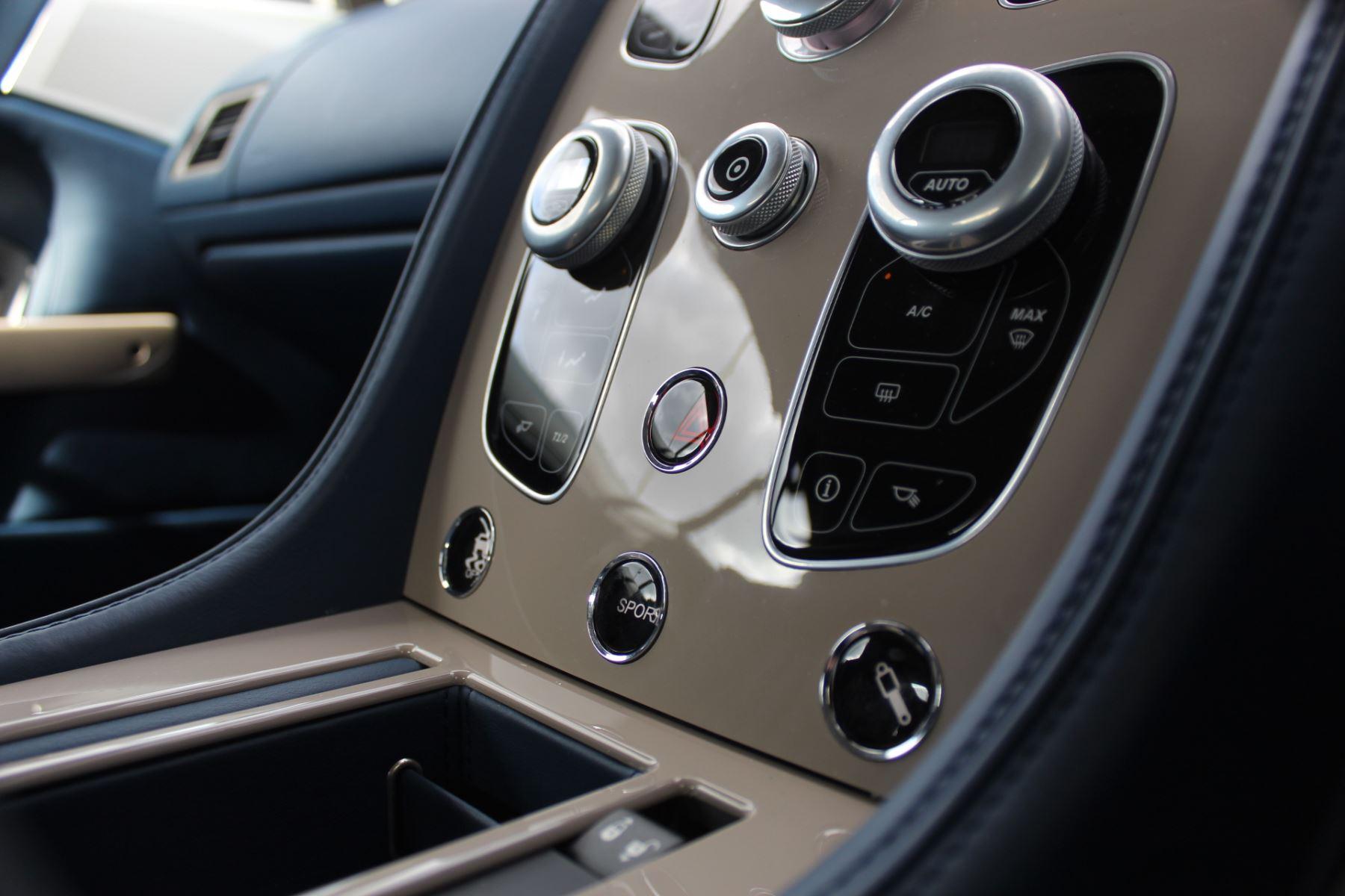 Aston Martin DB9 V12 GT 2dr Volante Touchtronic image 17