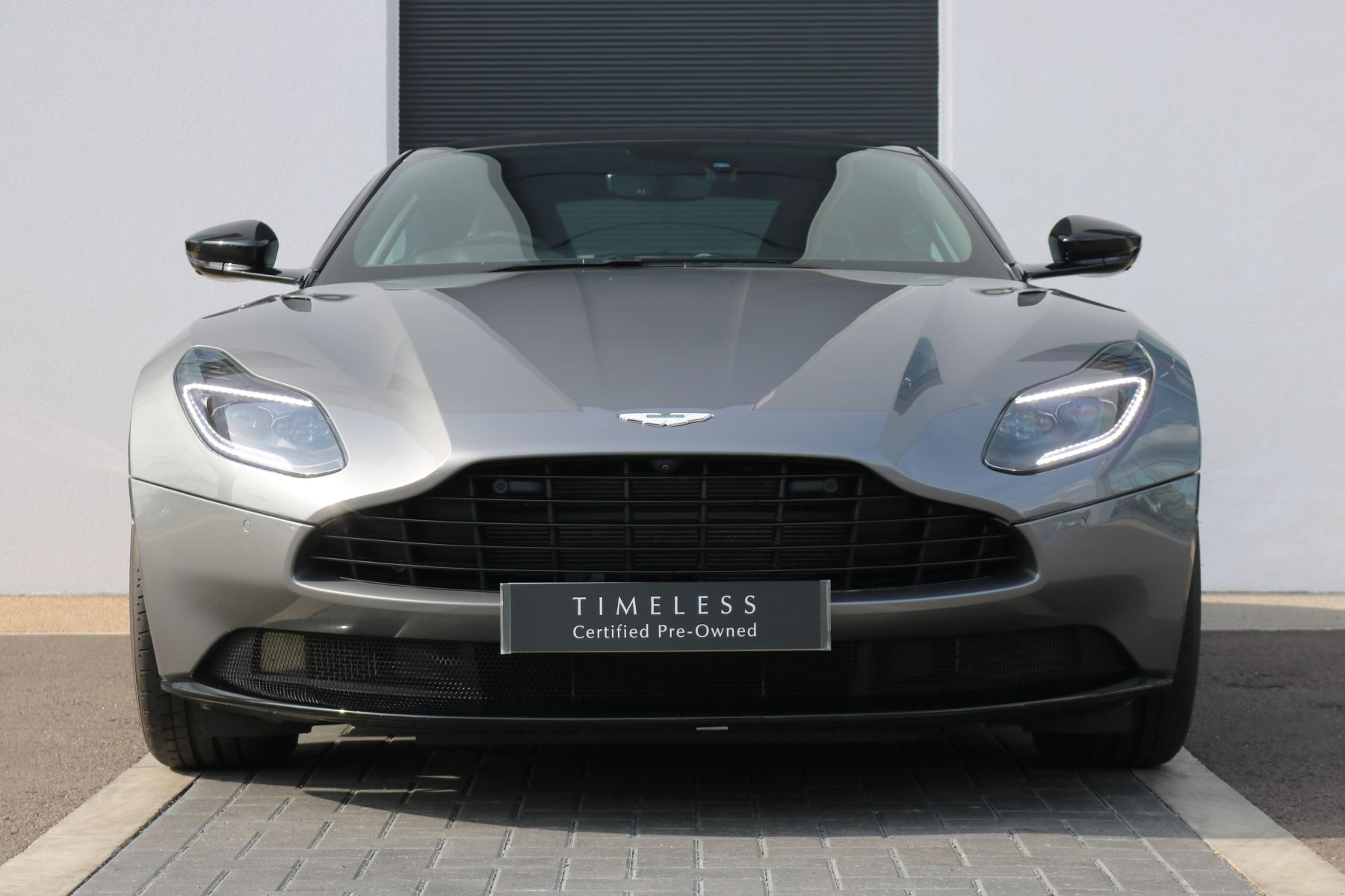 Aston Martin DB11 V8 2dr Touchtronic 4.0 Automatic 3 door Coupe (2019) image