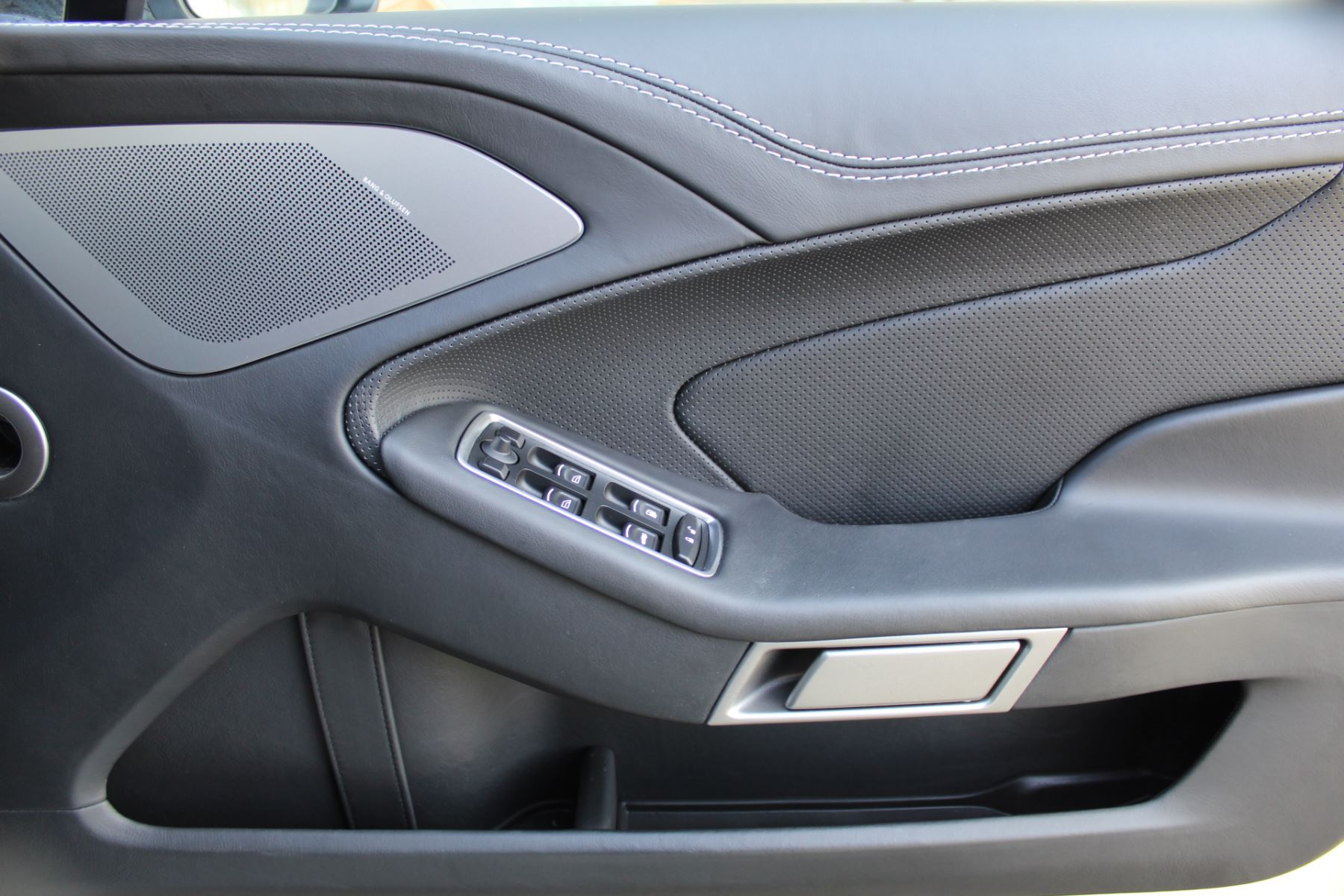 Aston Martin Vanquish V12 [568] 2+2 2dr Touchtronic image 14