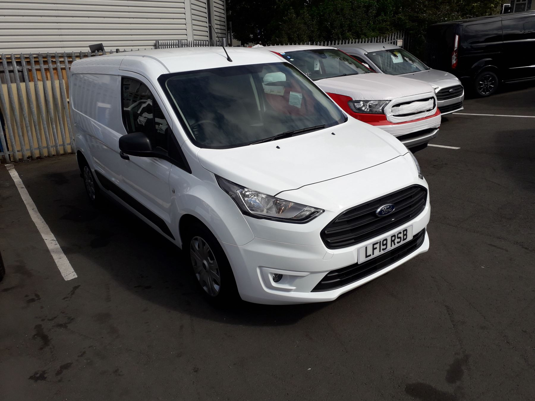 Ford Transit Connect L2 Trend 1.5 TDCI 100PS Euro 6 image 1
