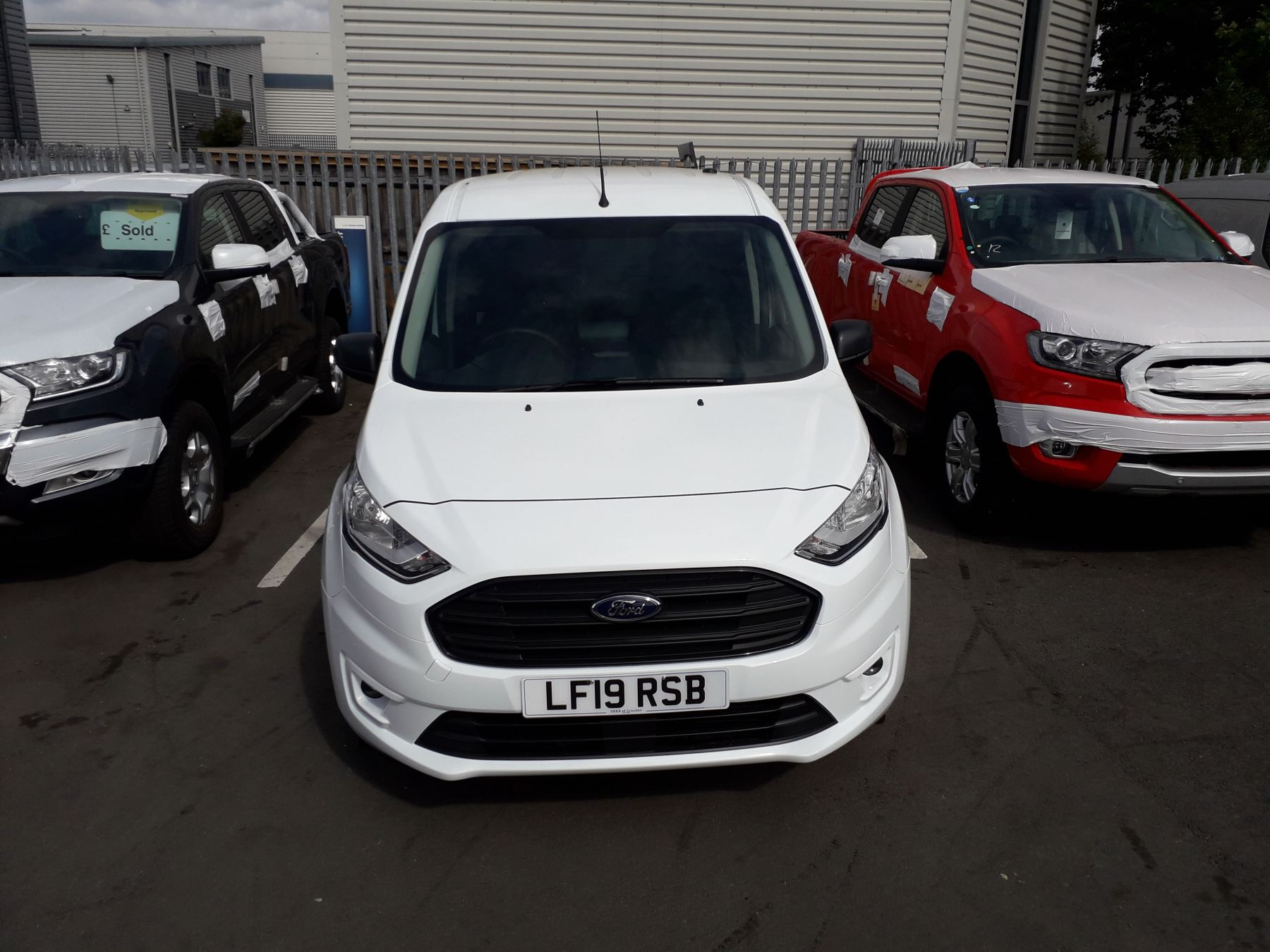 Ford Transit Connect L2 Trend 1.5 TDCI 100PS Euro 6 image 2