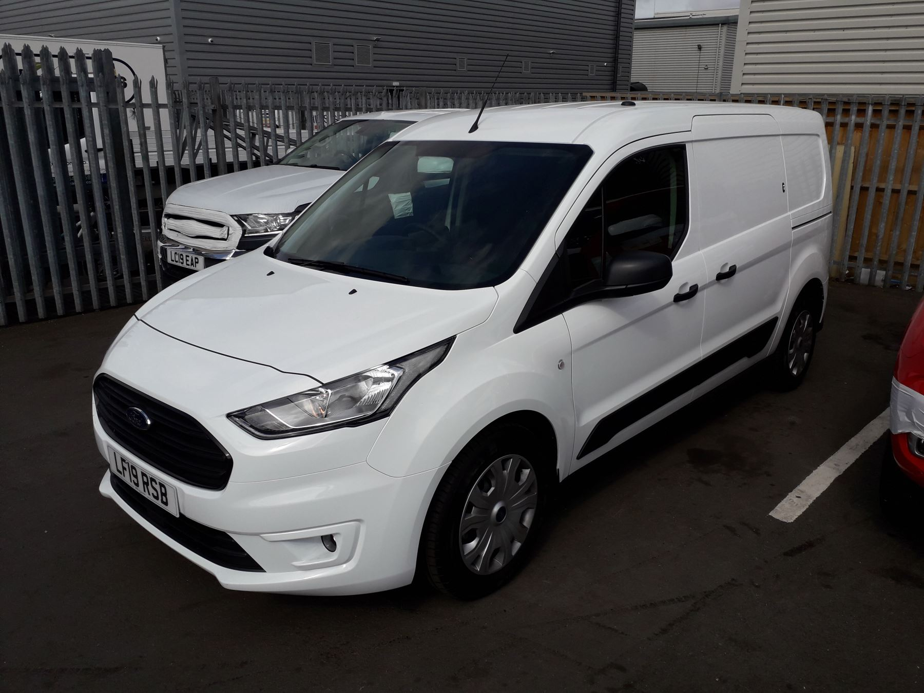 Ford Transit Connect L2 Trend 1.5 TDCI 100PS Euro 6 image 3