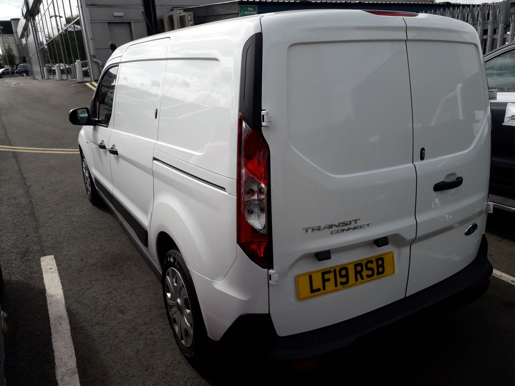 Ford Transit Connect L2 Trend 1.5 TDCI 100PS Euro 6 image 4