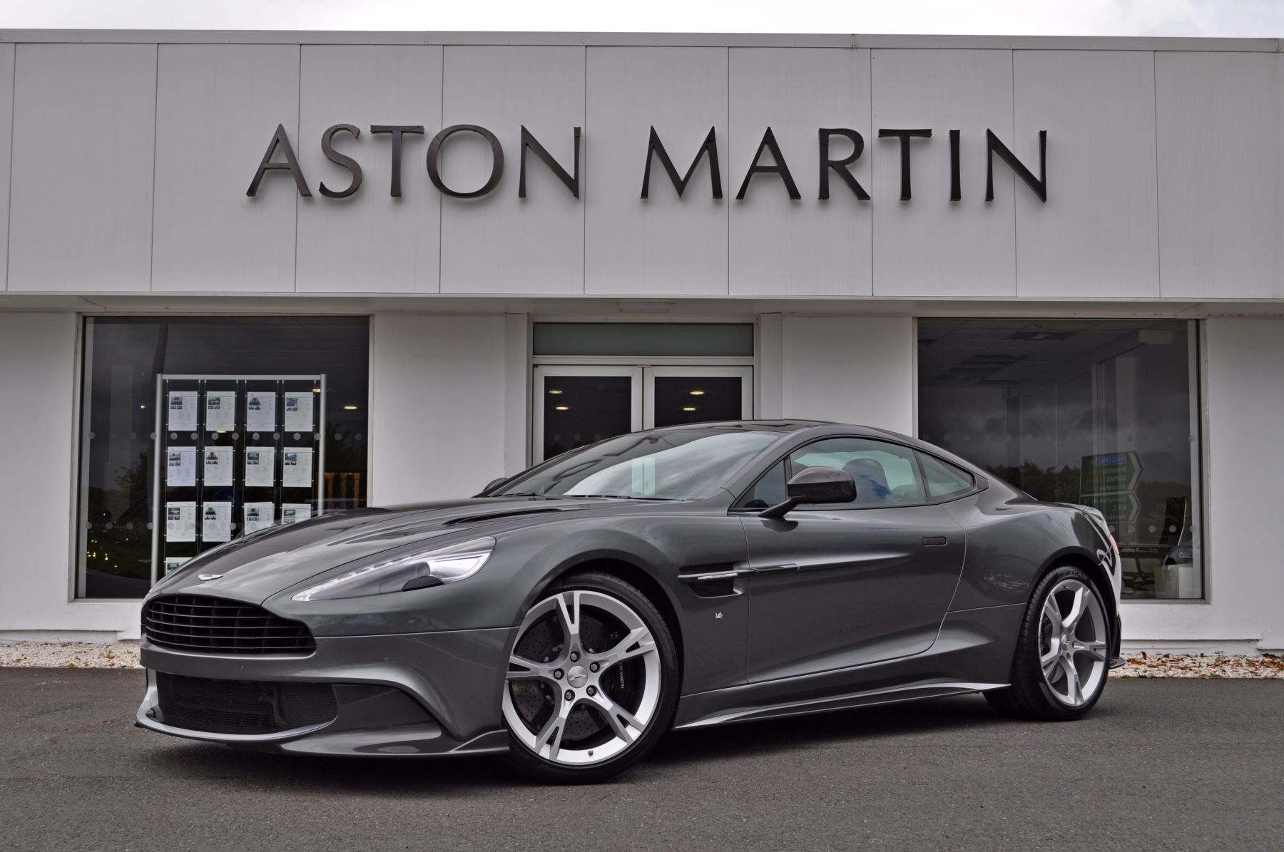Aston Martin Vanquish S V12 [595] S 2+2 2dr Touchtronic 5.9 Automatic Coupe (2018)