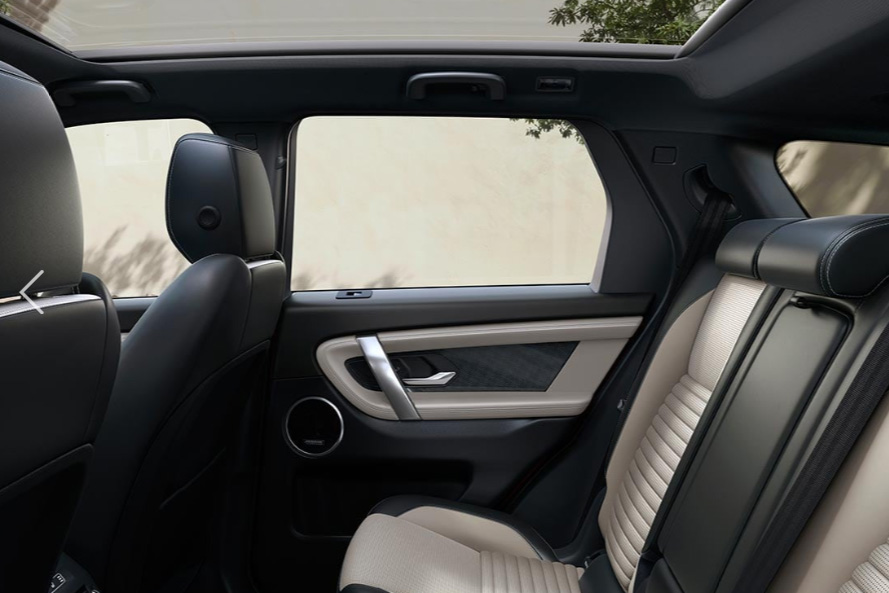 Land Rover Discovery Sport 2.0 TD4 180 SE Manual image 11