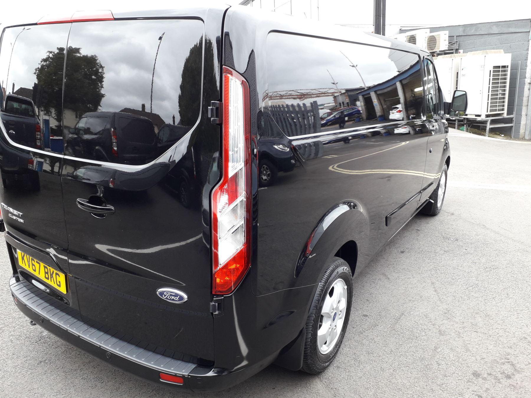 Ford Transit Custom 290 L2 Limited 2.0 TDCI 130PS Euro 6 image 10