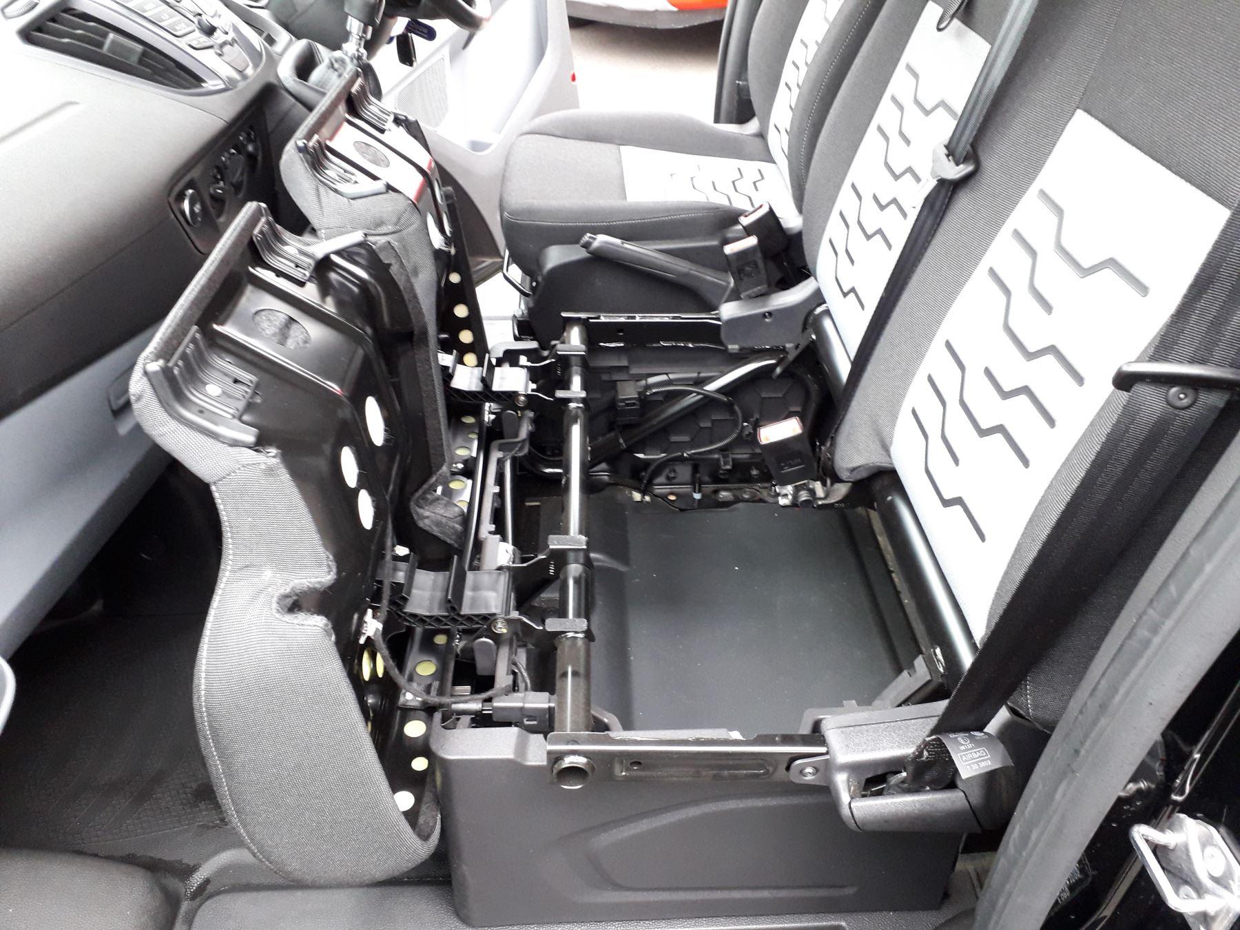 Ford Transit Custom 290 L2 Limited 2.0 TDCI 130PS Euro 6 image 19