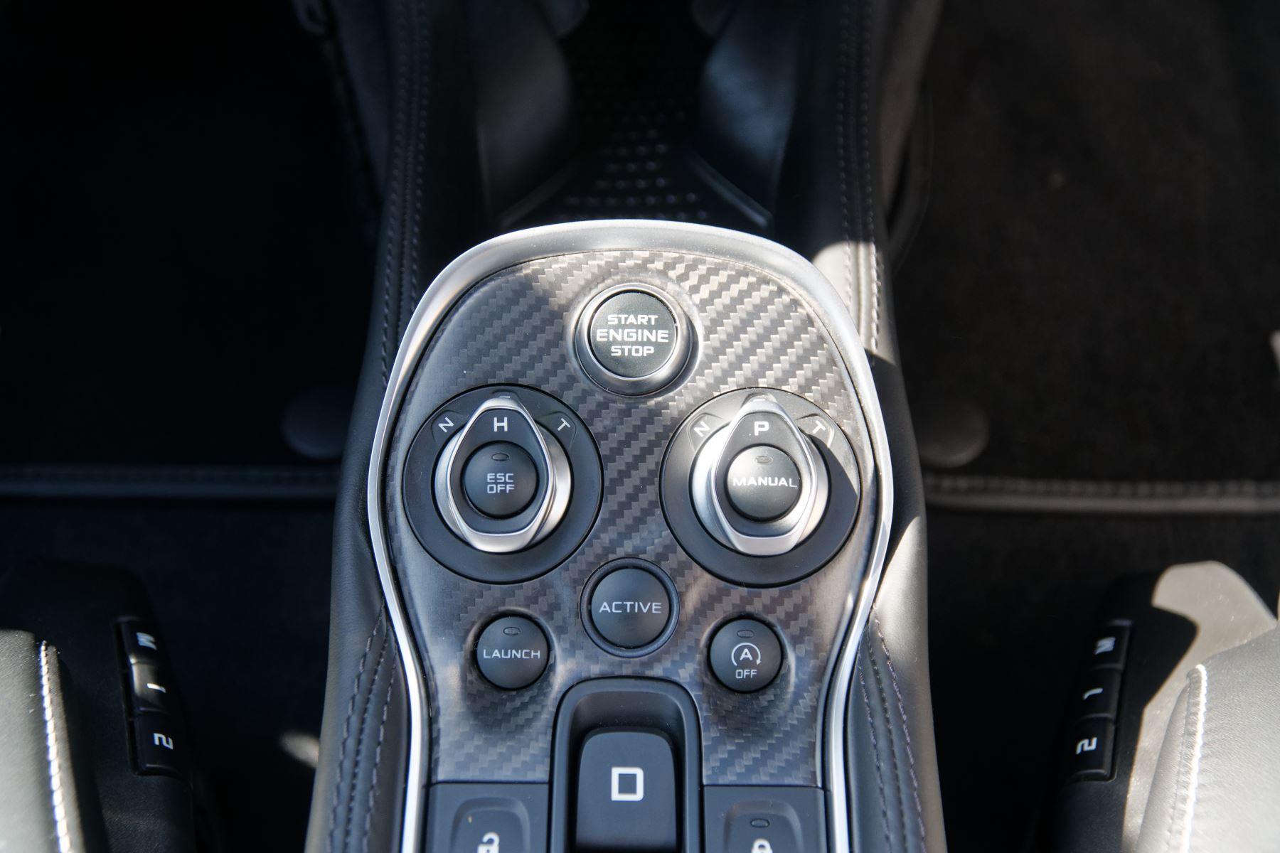 McLaren 570GT V8 2dr SSG Auto Coupe image 14