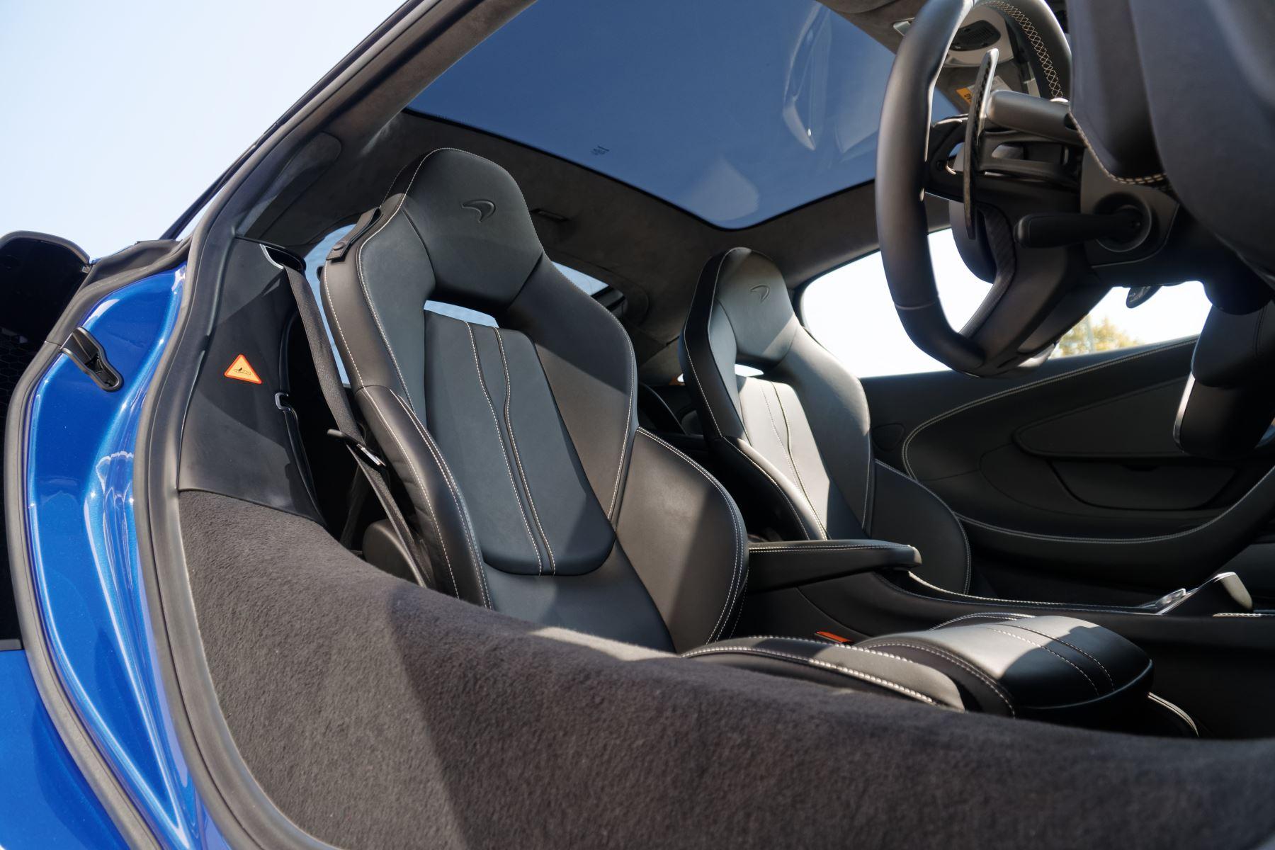 McLaren 570GT V8 2dr SSG Auto Coupe image 30