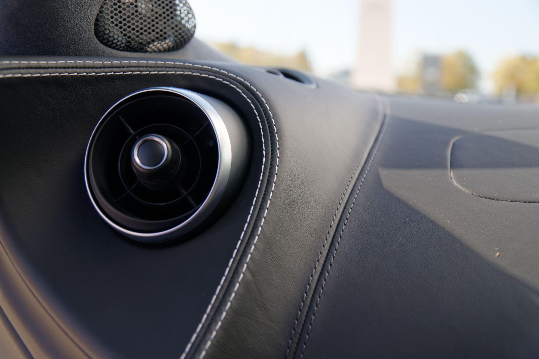 McLaren 570GT V8 2dr SSG Auto Coupe image 31